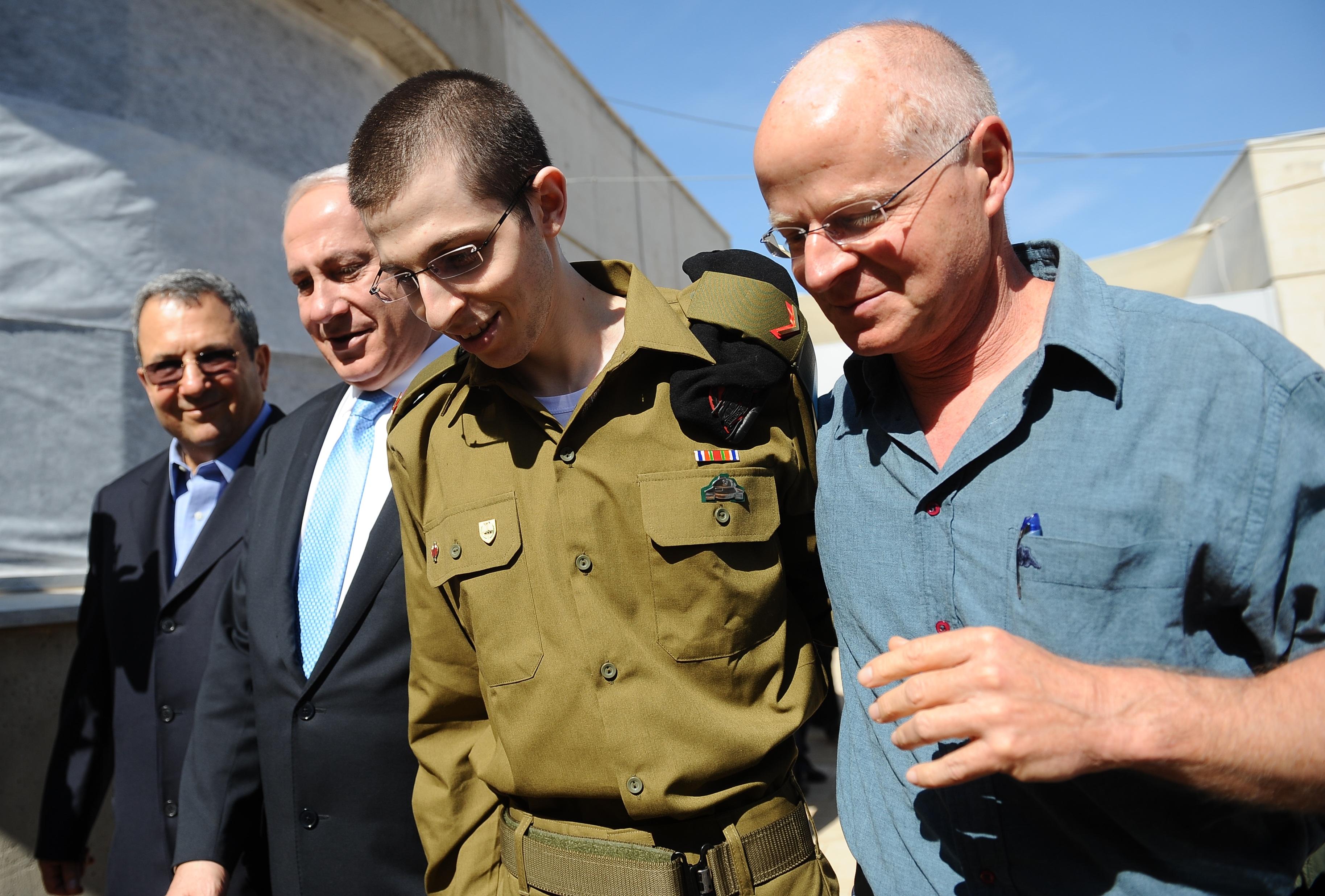 גלעד שליט שב לישראל