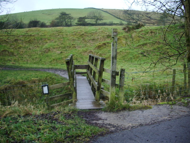 Footbridge on the Pendle Way - geograph.org.uk - 622729
