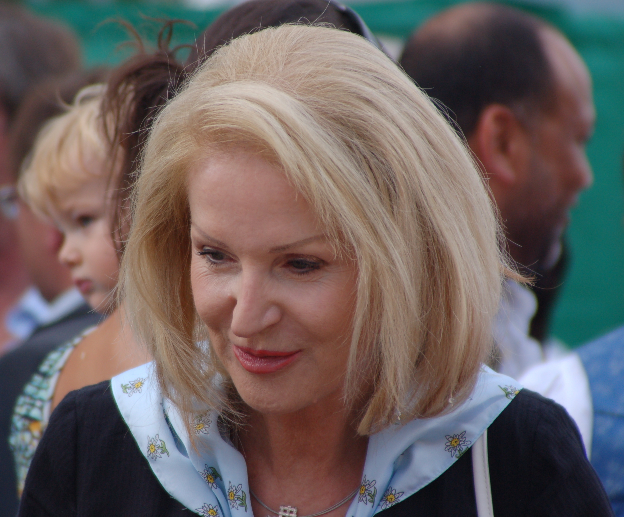 Gertrude aubauer for Barbara karlich wiki