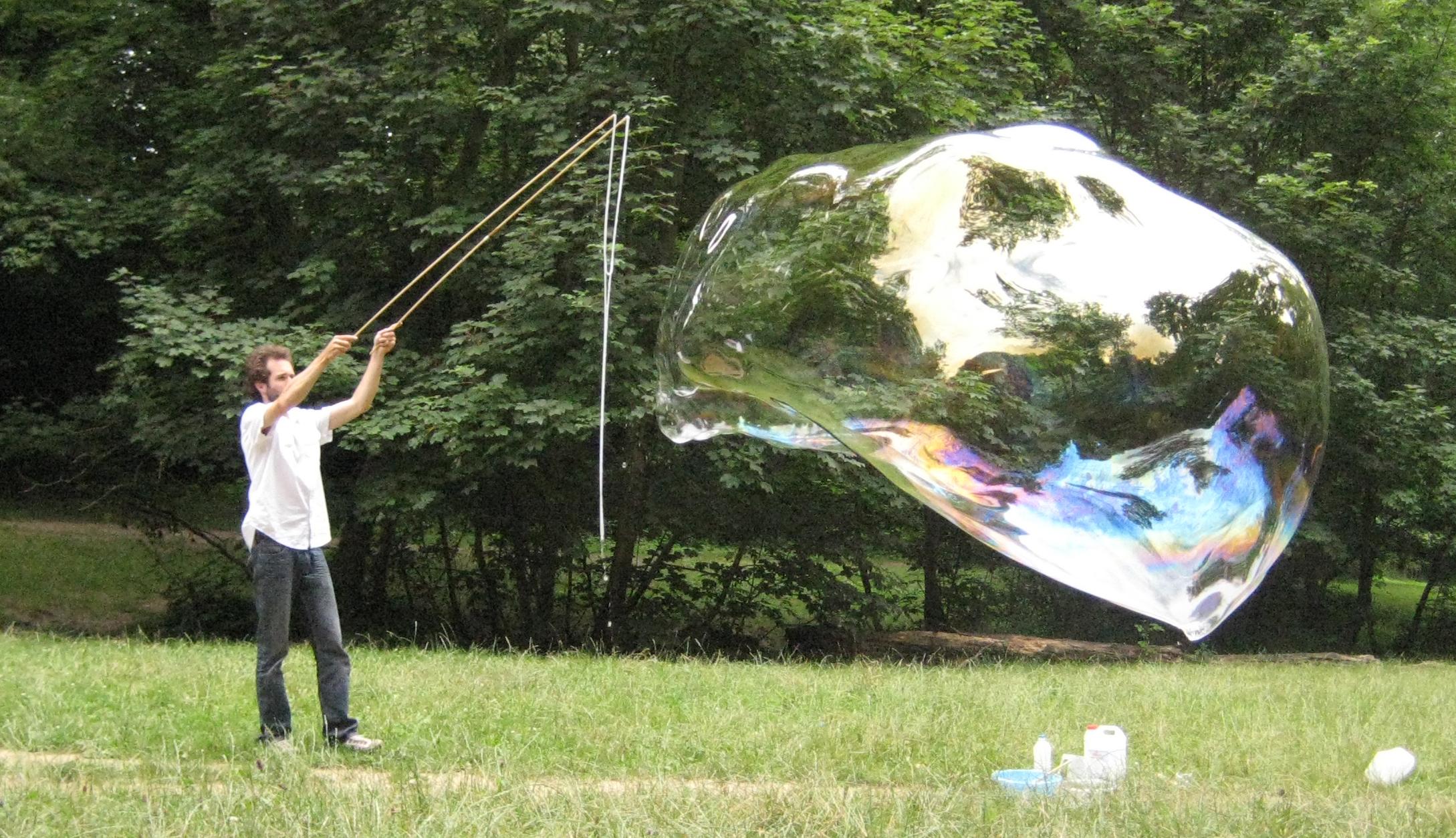 Giant.bubble.jpg