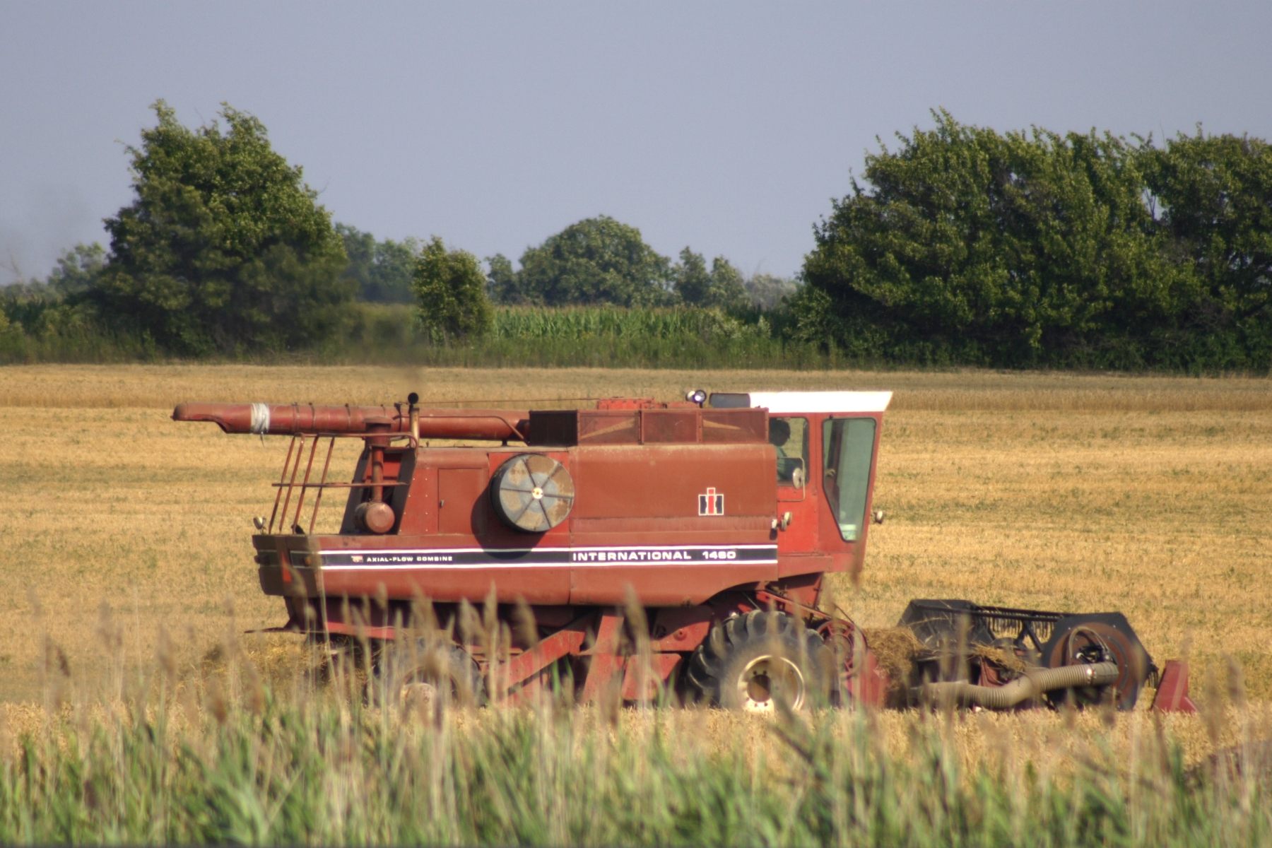 File:IHC International 1460 combine harvester jpg