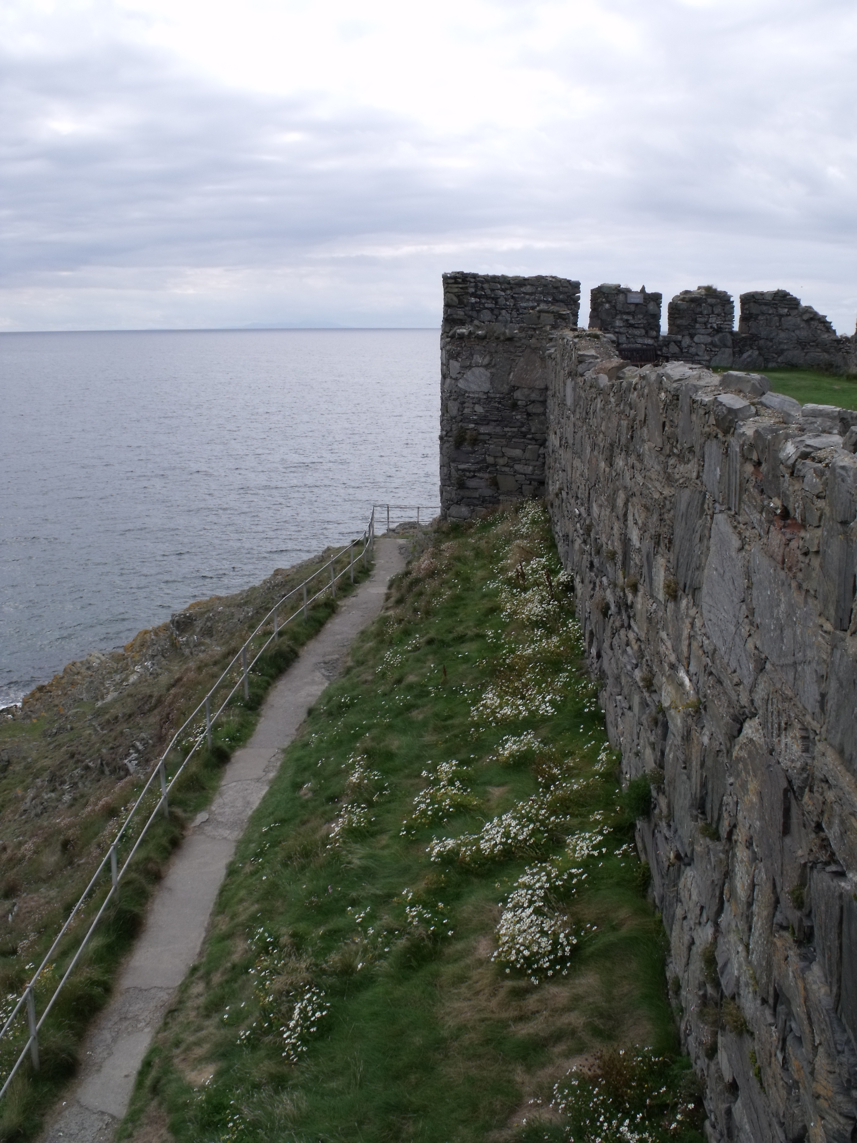 File:IOM Peel Castle Rampart by Malost.JPG - Wikimedia Commons