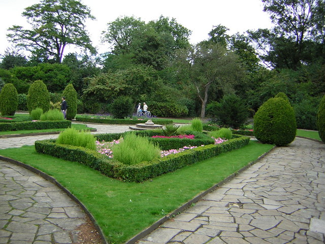File In The Flower Garden At Victoria Park Geograph Org