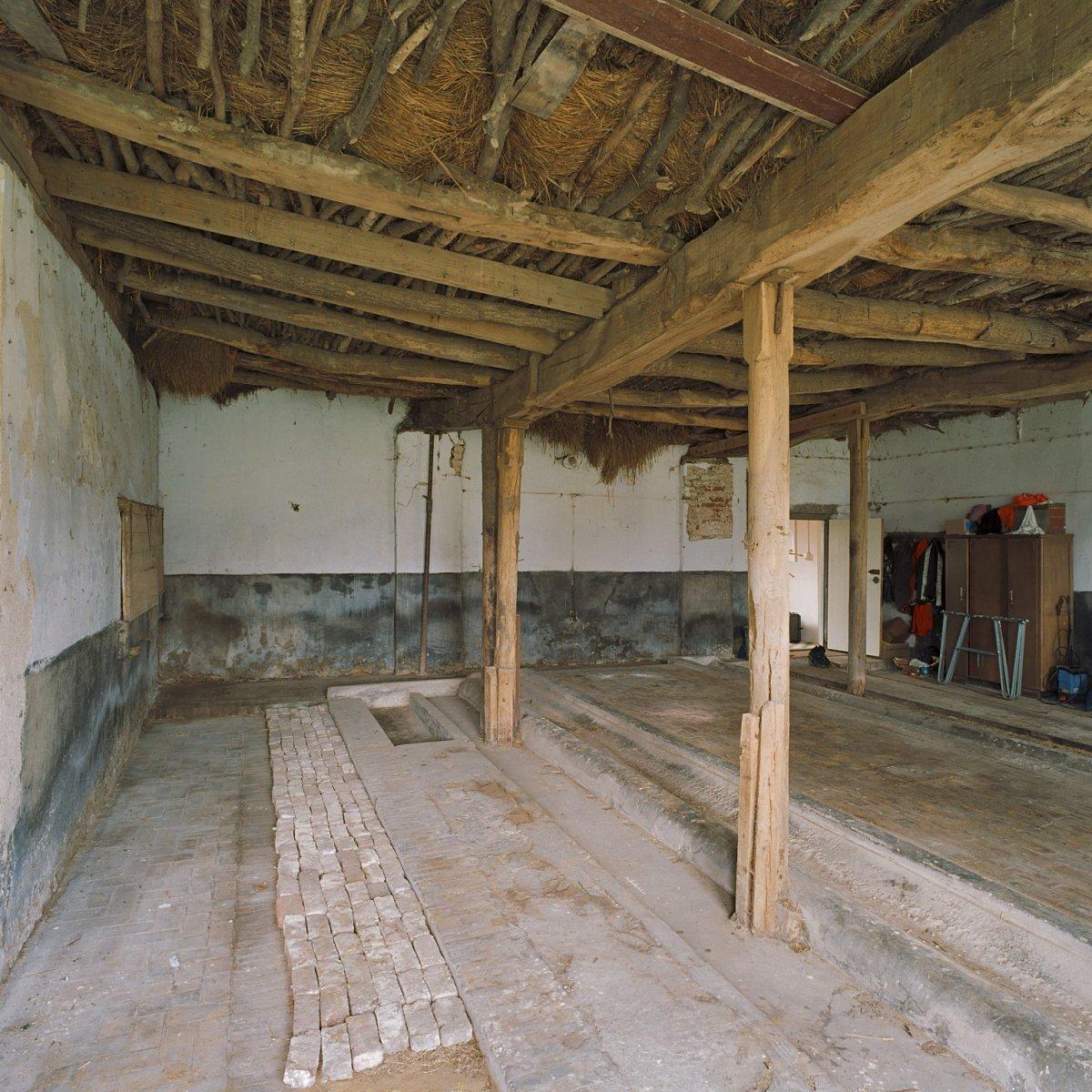 File interieur bedrijfsgedeelte van de boerderij for Boerderij interieur