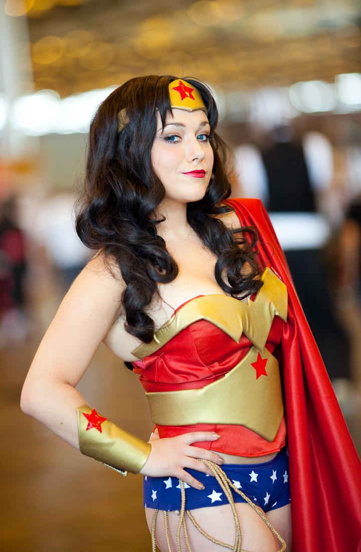 Wunder Frau Vs Supergirl