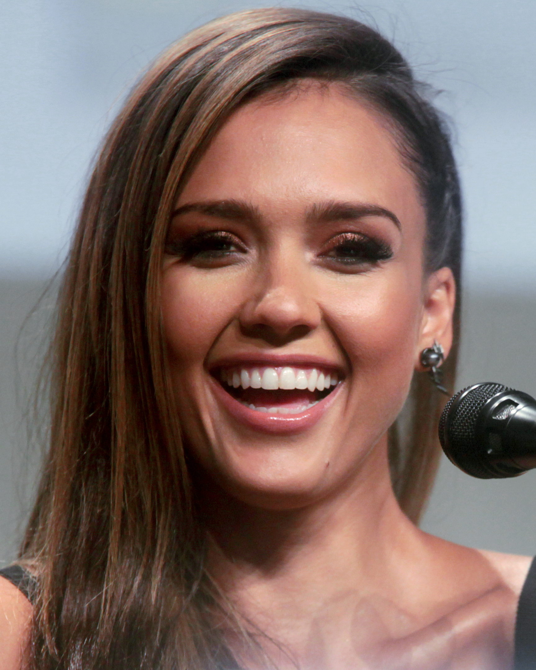 Jessica Alba  co-found...