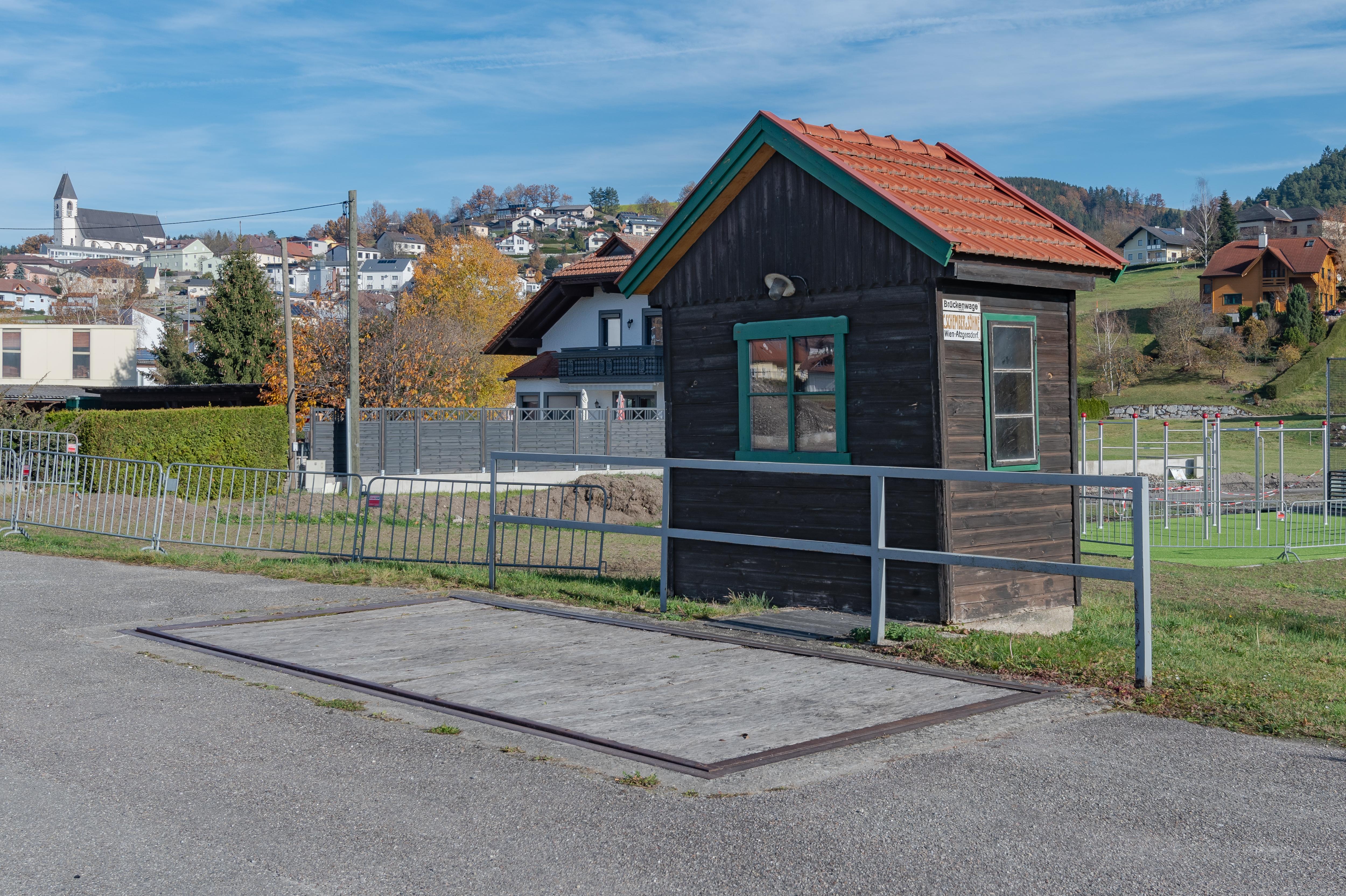 File:Kefermarkt Bahnhof Brückenwaage Schember-4841.jpg
