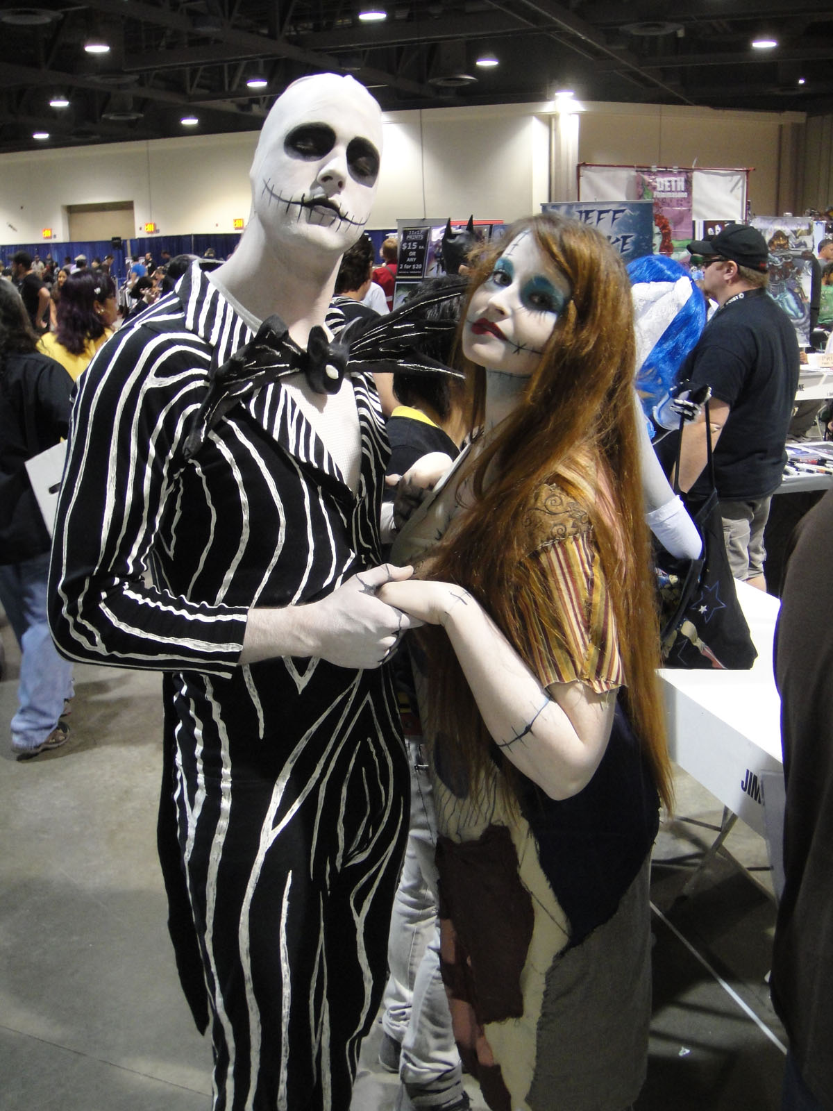 file:long beach comic & horror con 2011 - jack skellington and sally