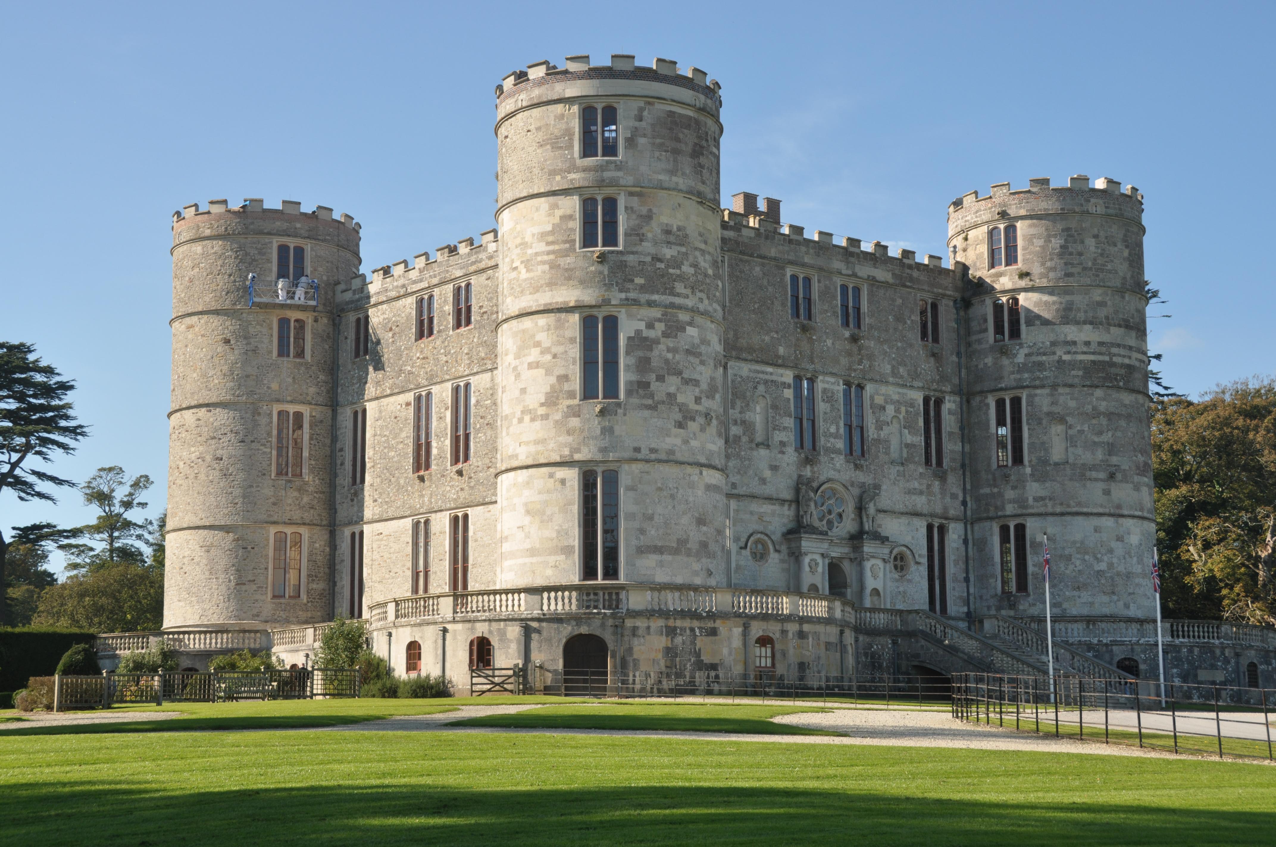 """Résultat de recherche d'images pour """"Le château de Lulworth"""""""