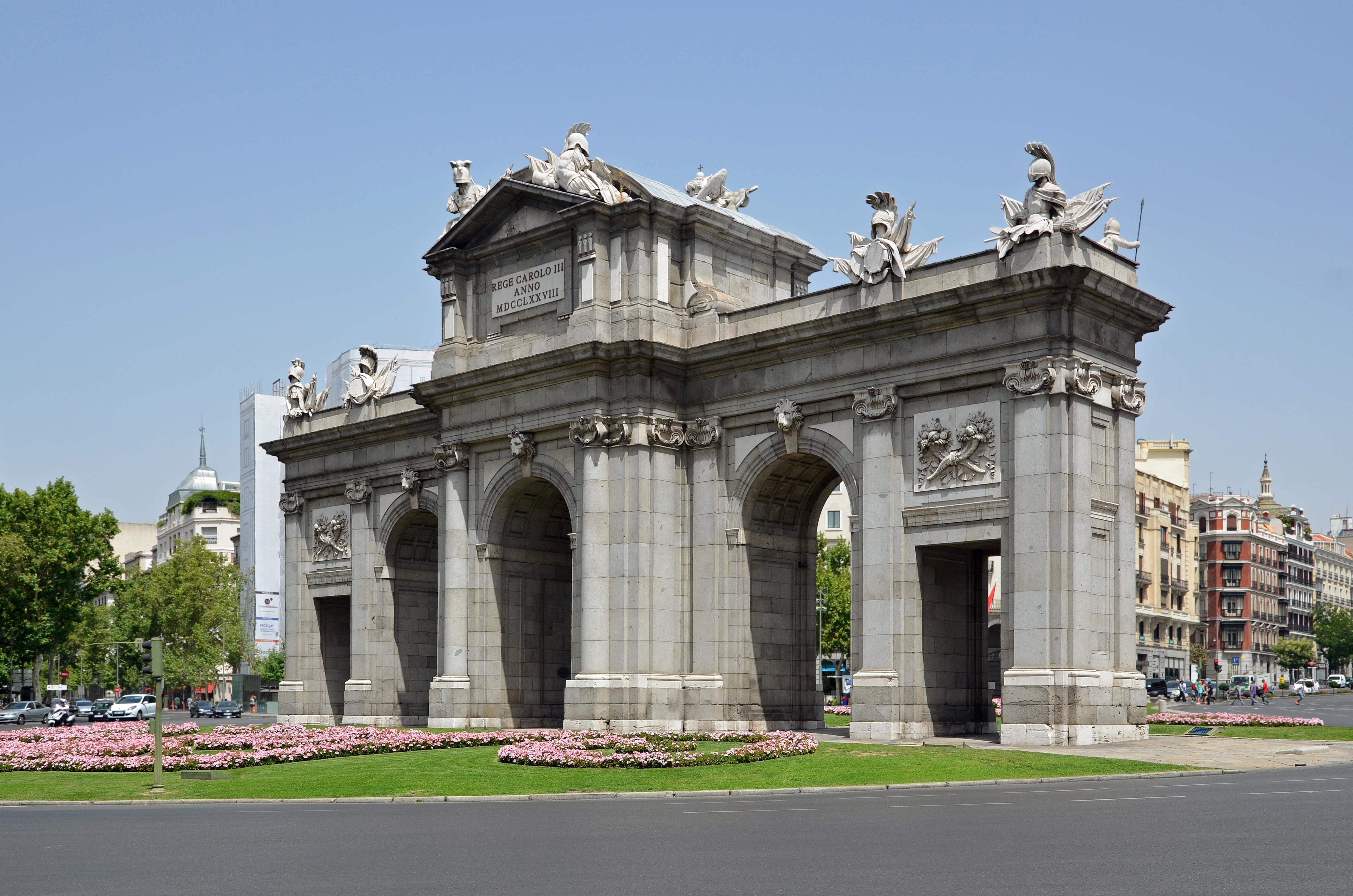 File madrid puerta alcala wikimedia commons - La puerta de alcala ...