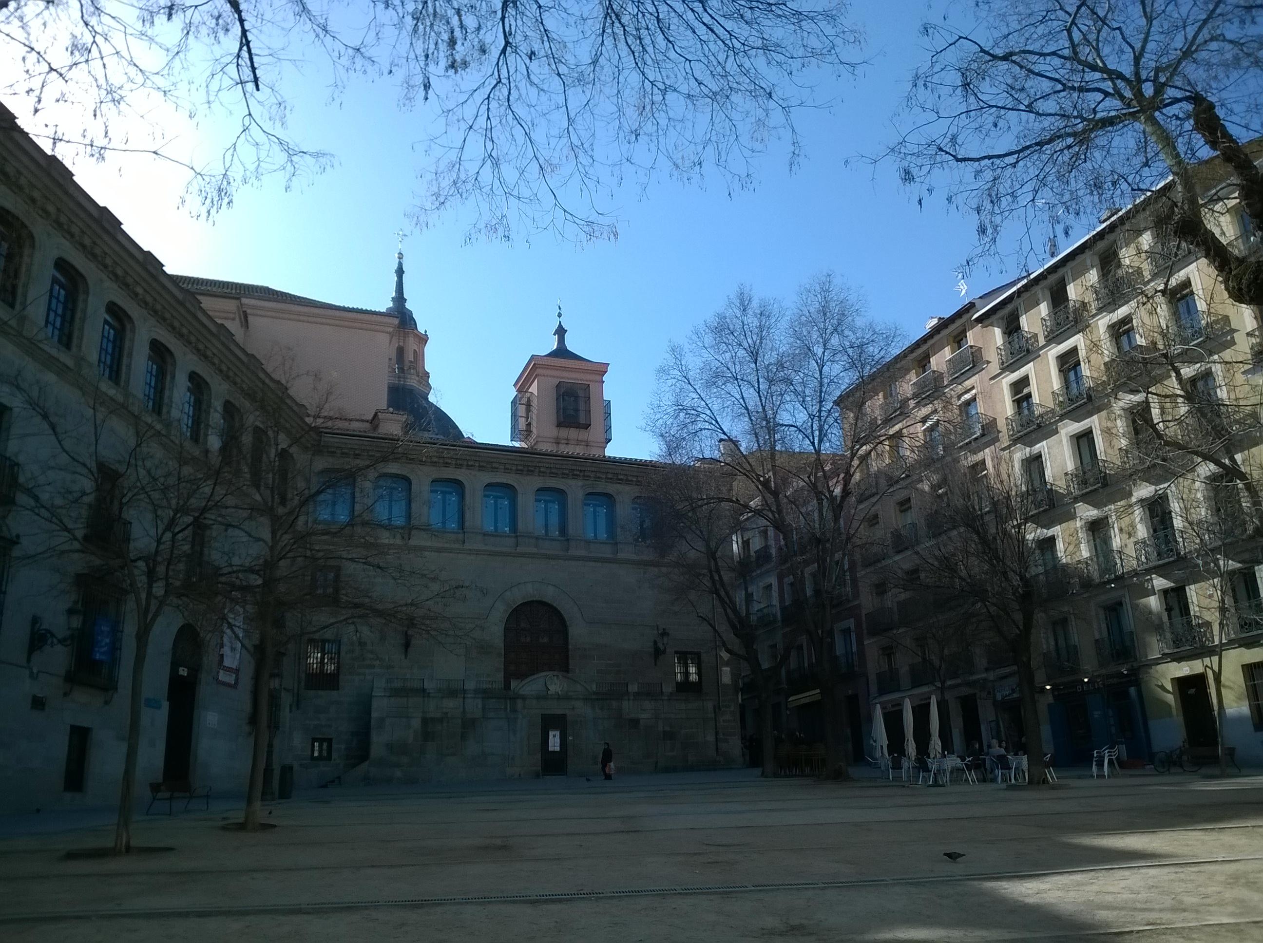 File Madrid Plaza De La Plaja Vue Capilla Del Obispo Panoramio Jpg