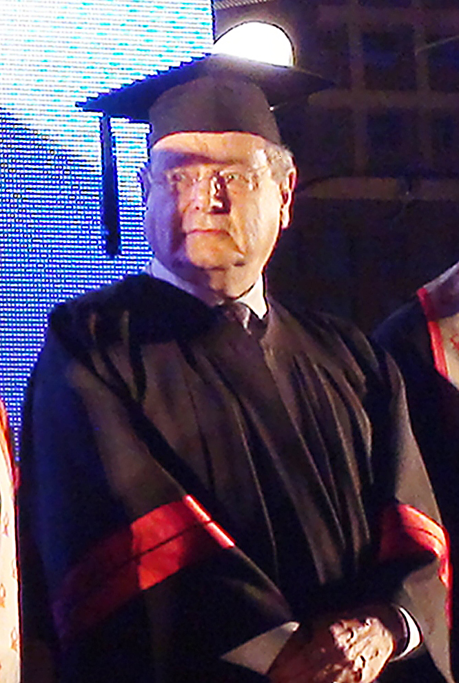 Gilbert being awarded an honorary doctorate at [[Ben-Gurion University of the Negev]] in Beersheba, Israel, 2011