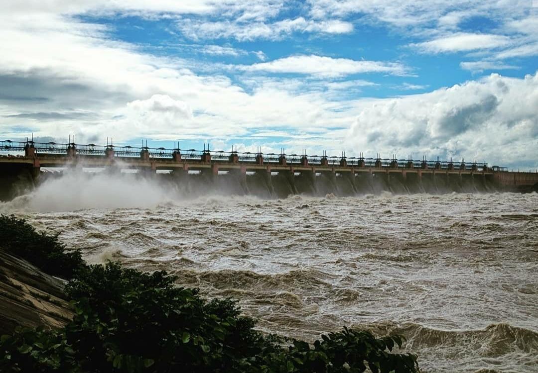 File:Matatila Dam.jpg - Wikimedia Commons