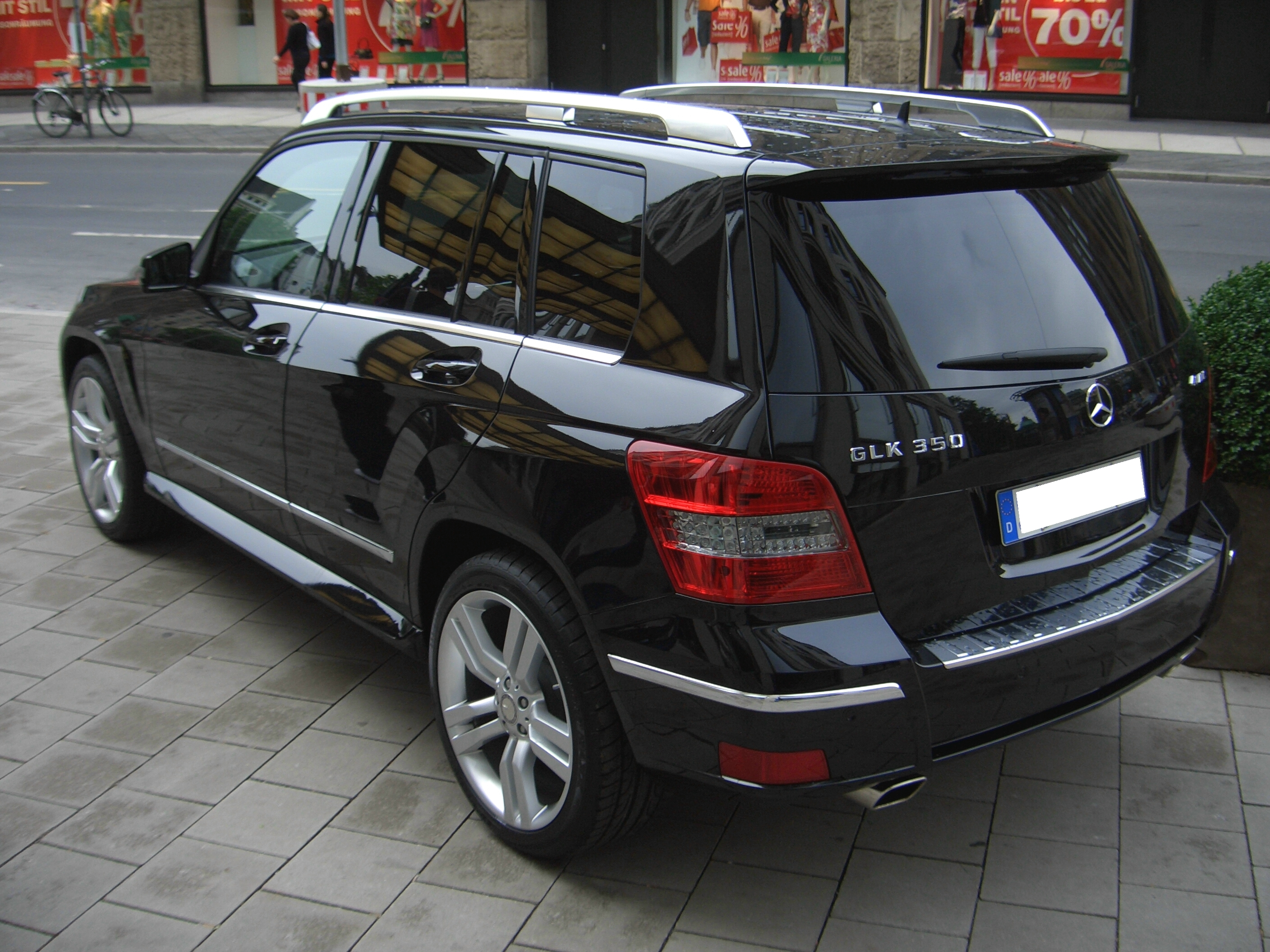 file mercedes benz glk 350 4matic x204 from 2008 backleft. Black Bedroom Furniture Sets. Home Design Ideas