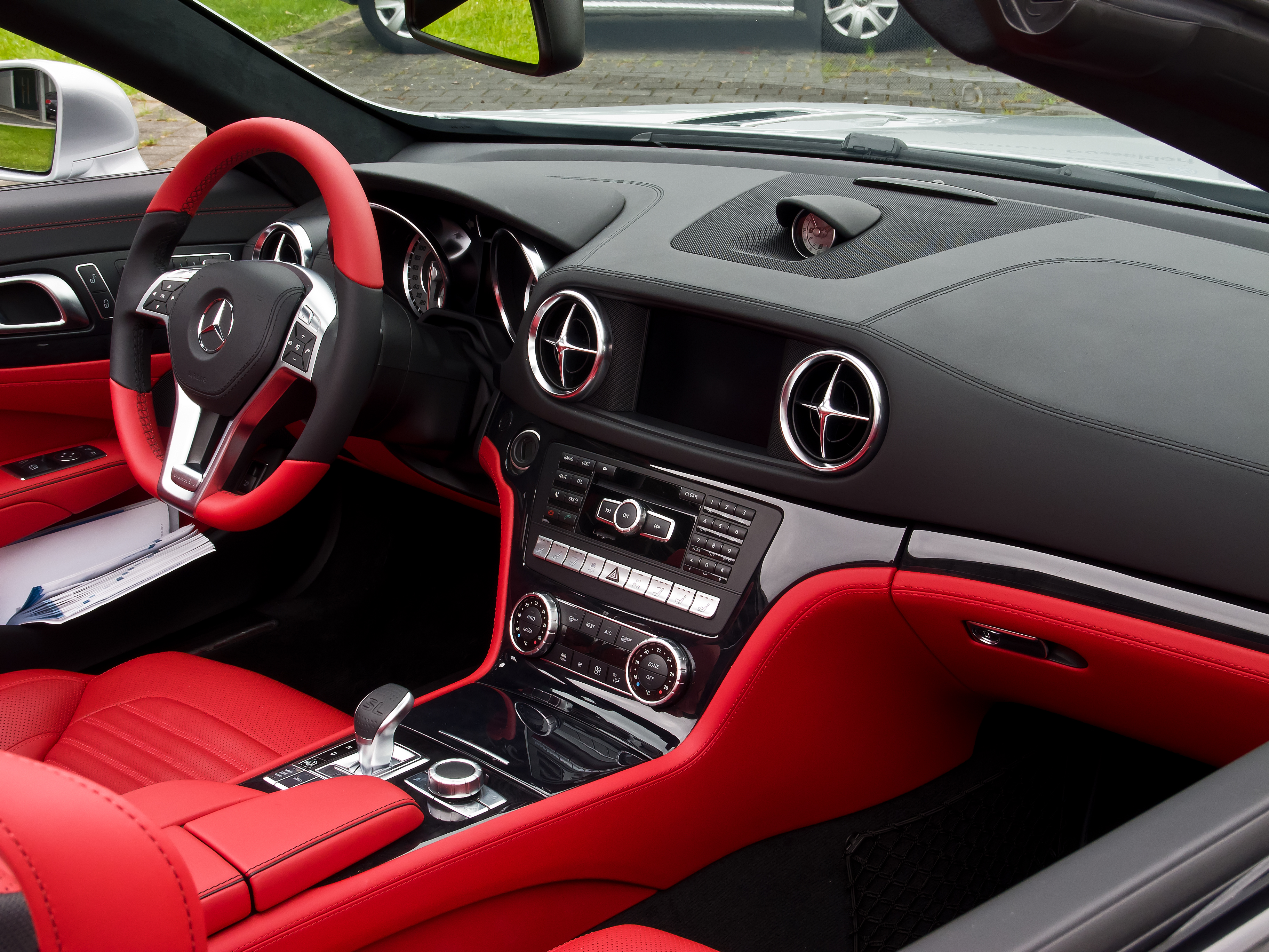 file mercedes benz sl 350 r 231 innenraum 22 mai 2013 d wikimedia commons. Black Bedroom Furniture Sets. Home Design Ideas