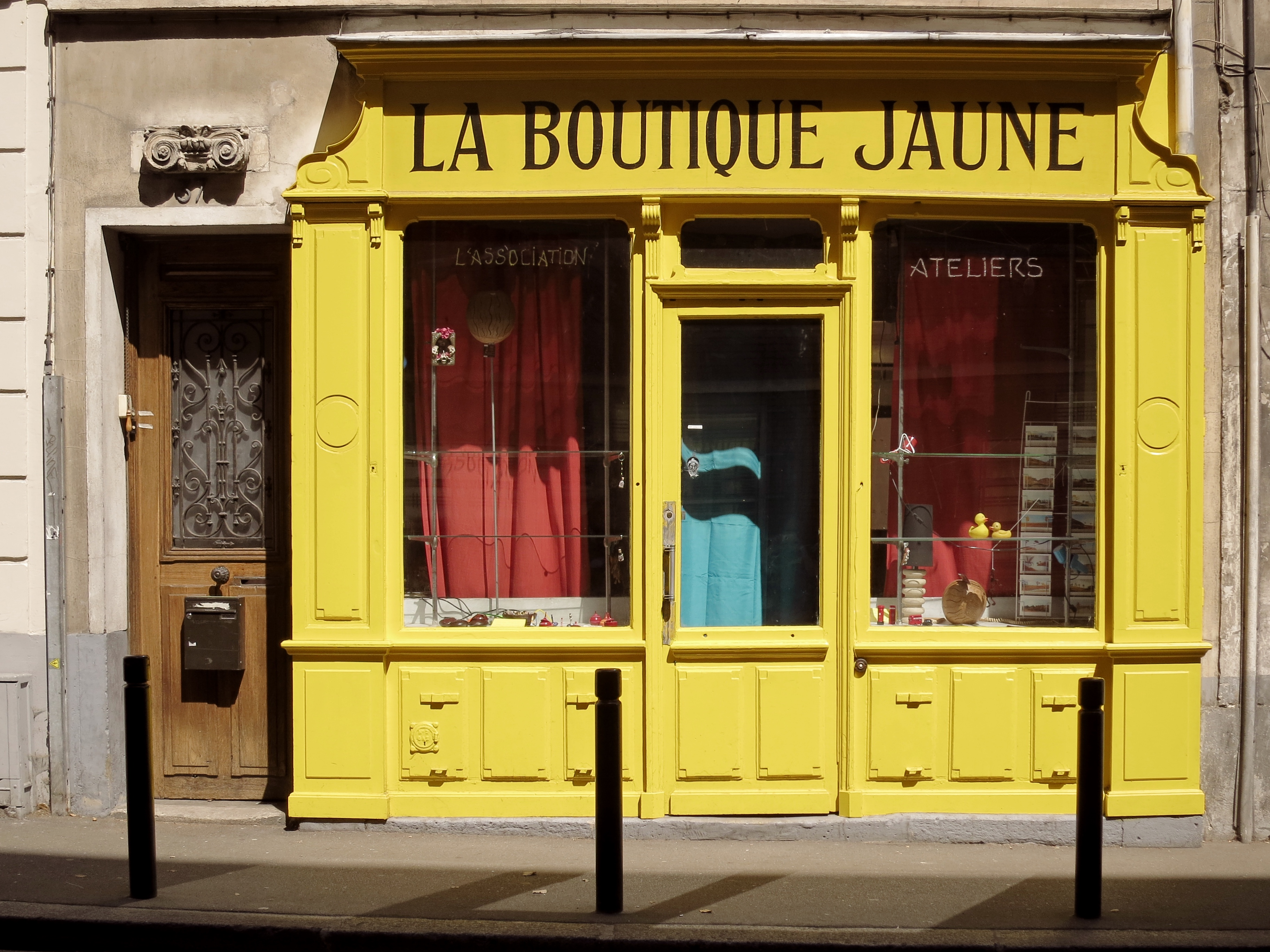 FileMontreuil , 37 Rue Robespierre , La Boutique Jaune , 20150604 (1)