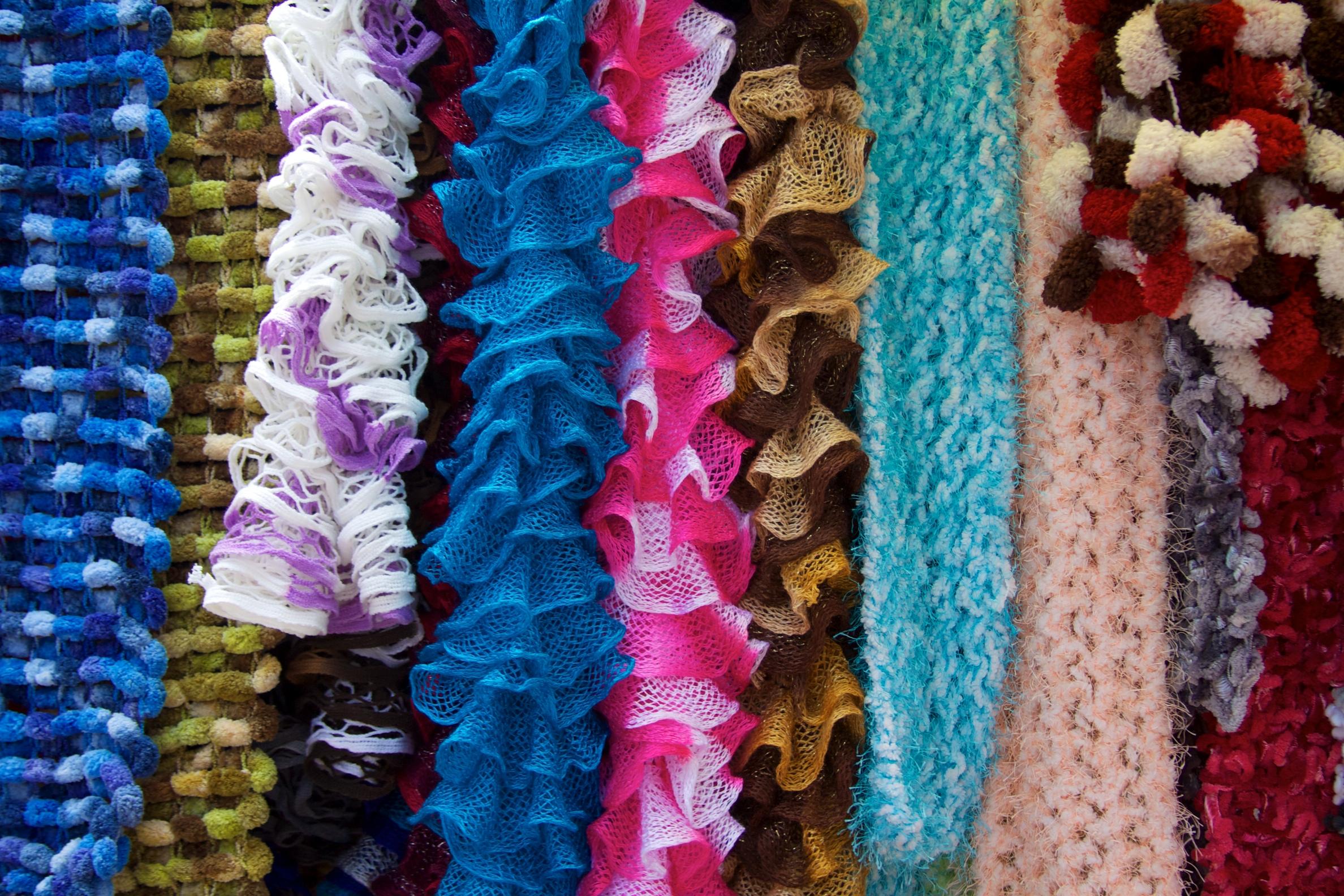 file peru cusco 042 colourful scarves for sale