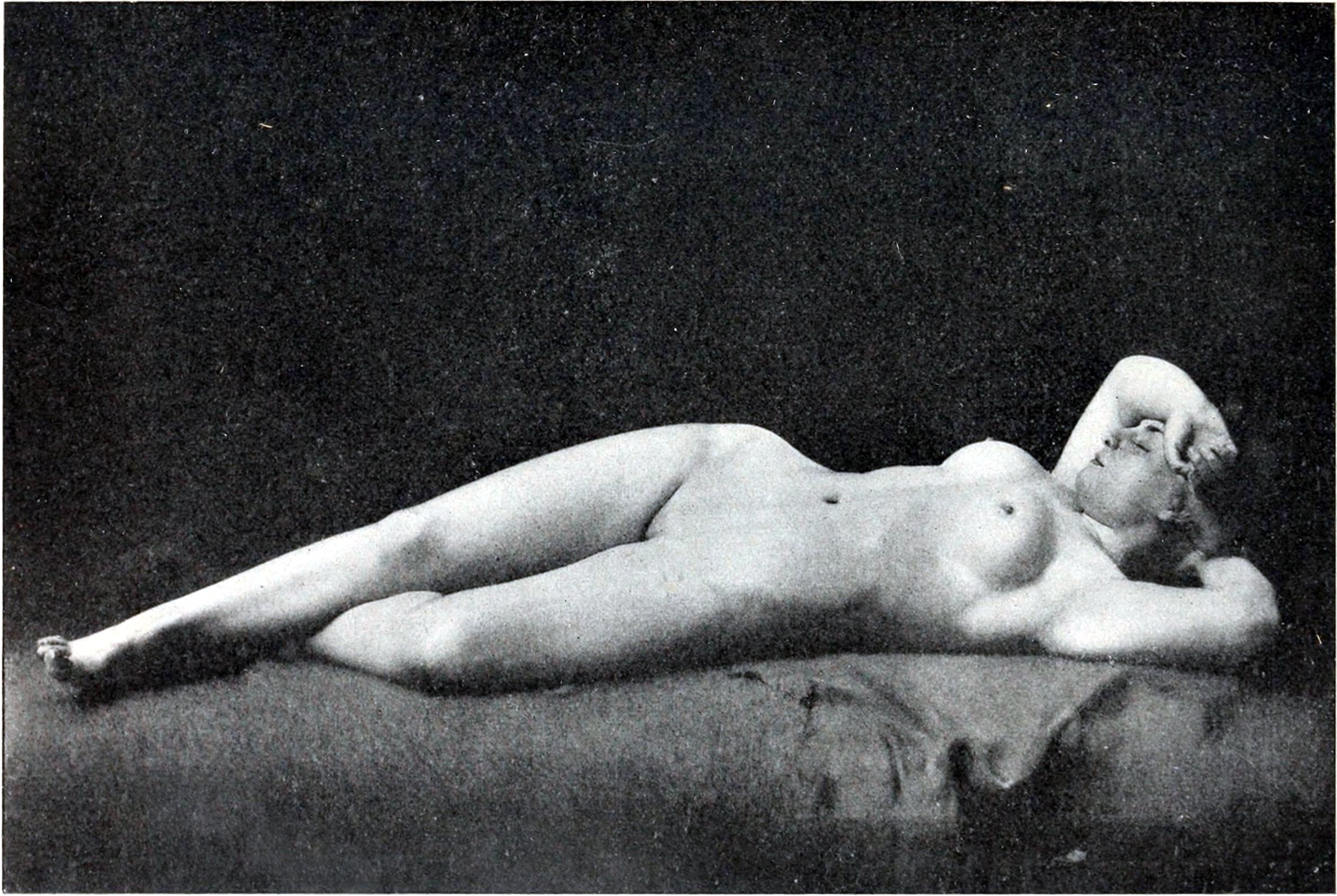 http://upload.wikimedia.org/wikipedia/commons/c/c2/Philippe_Zacharie_La_femme_qui_dort.jpg