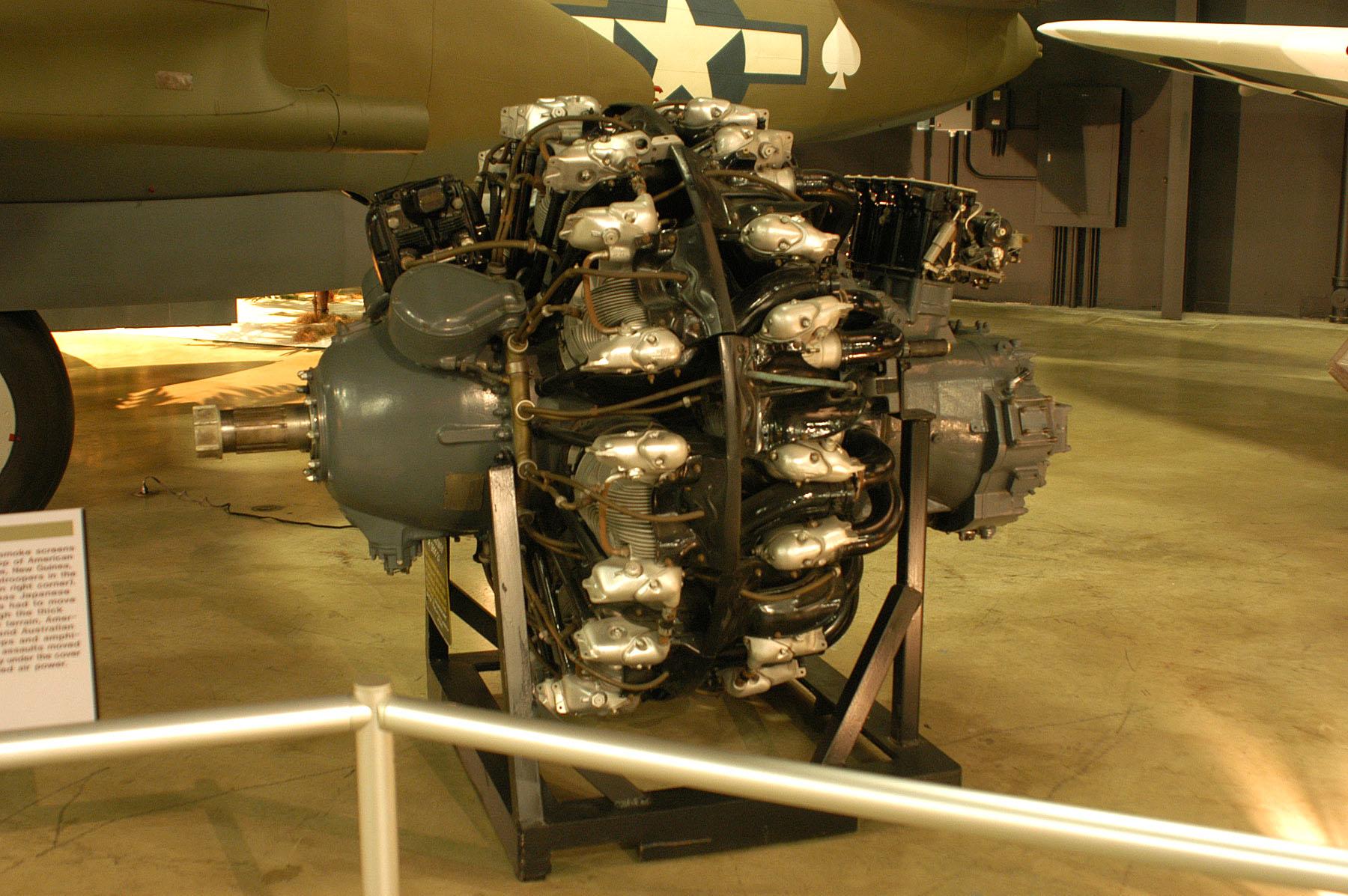 Pratt_&_Whitney_R-2800-21_USAF.jpg