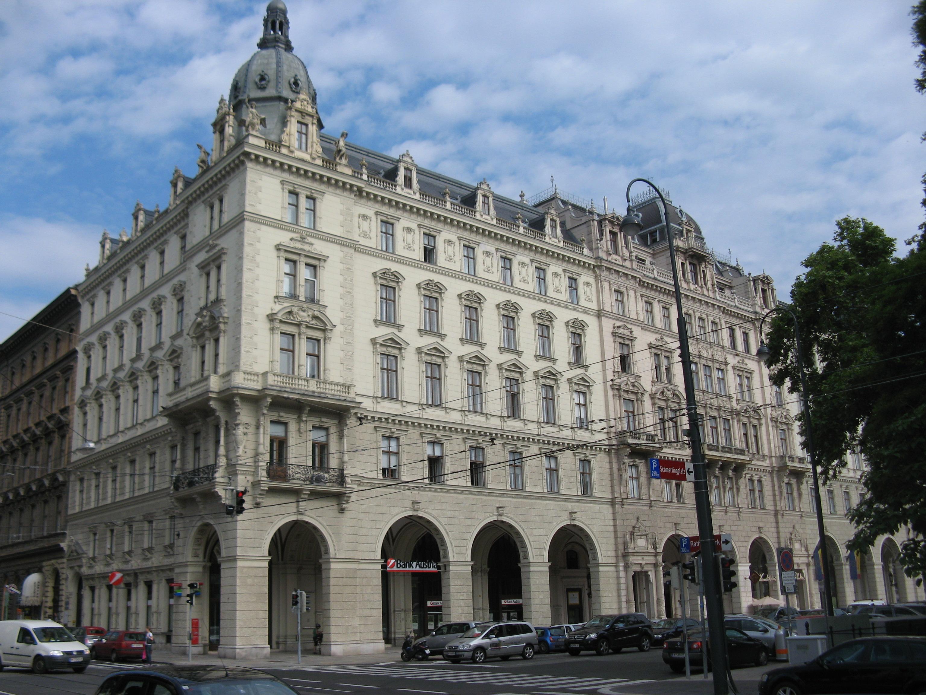Rathausplatz 13.JPG