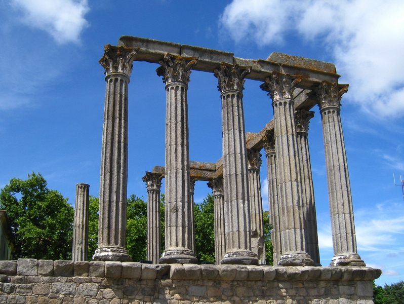 File:Roman temple Evora Portugal.JPG