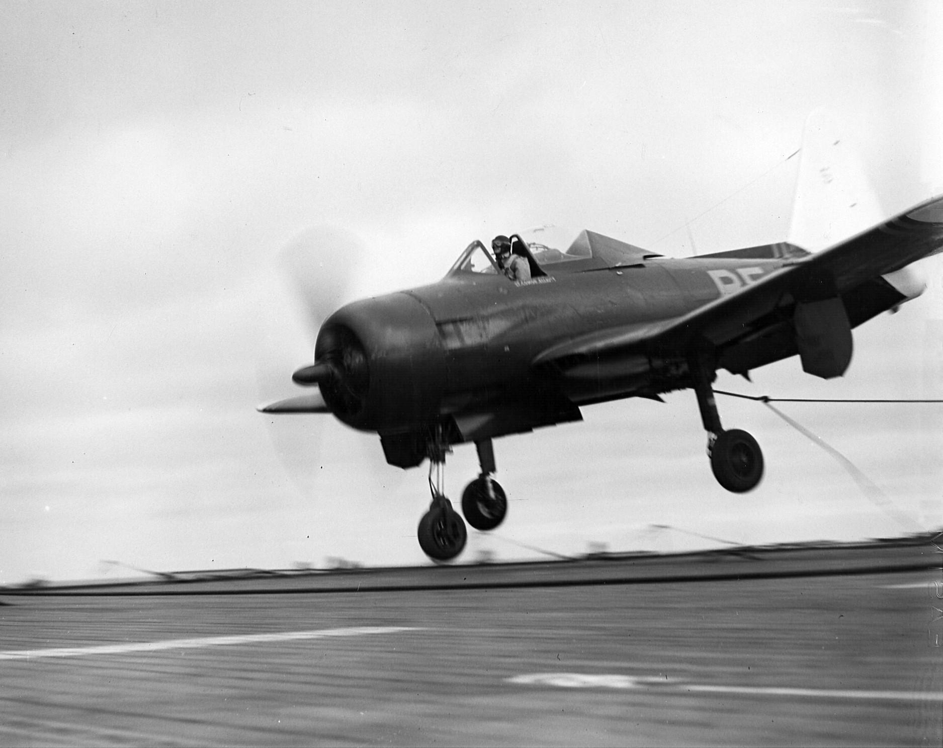 Ryan_FR-1_landing_on_USS_Bairoko_1946.jp