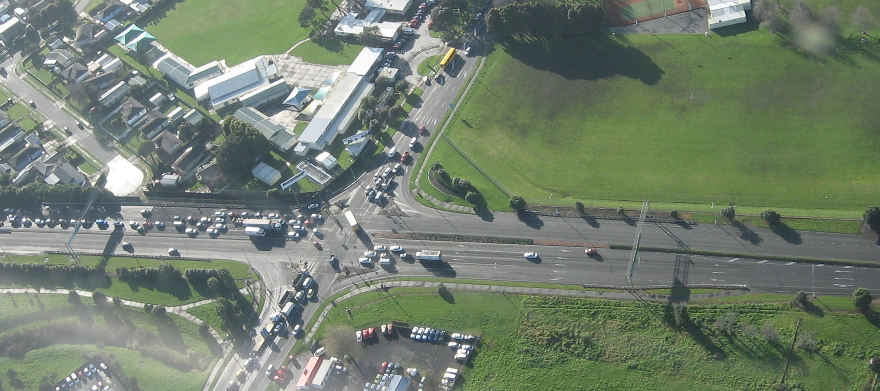 File:SH20A And Kirkbride Road Intersection.jpg - Wikimedia Commons