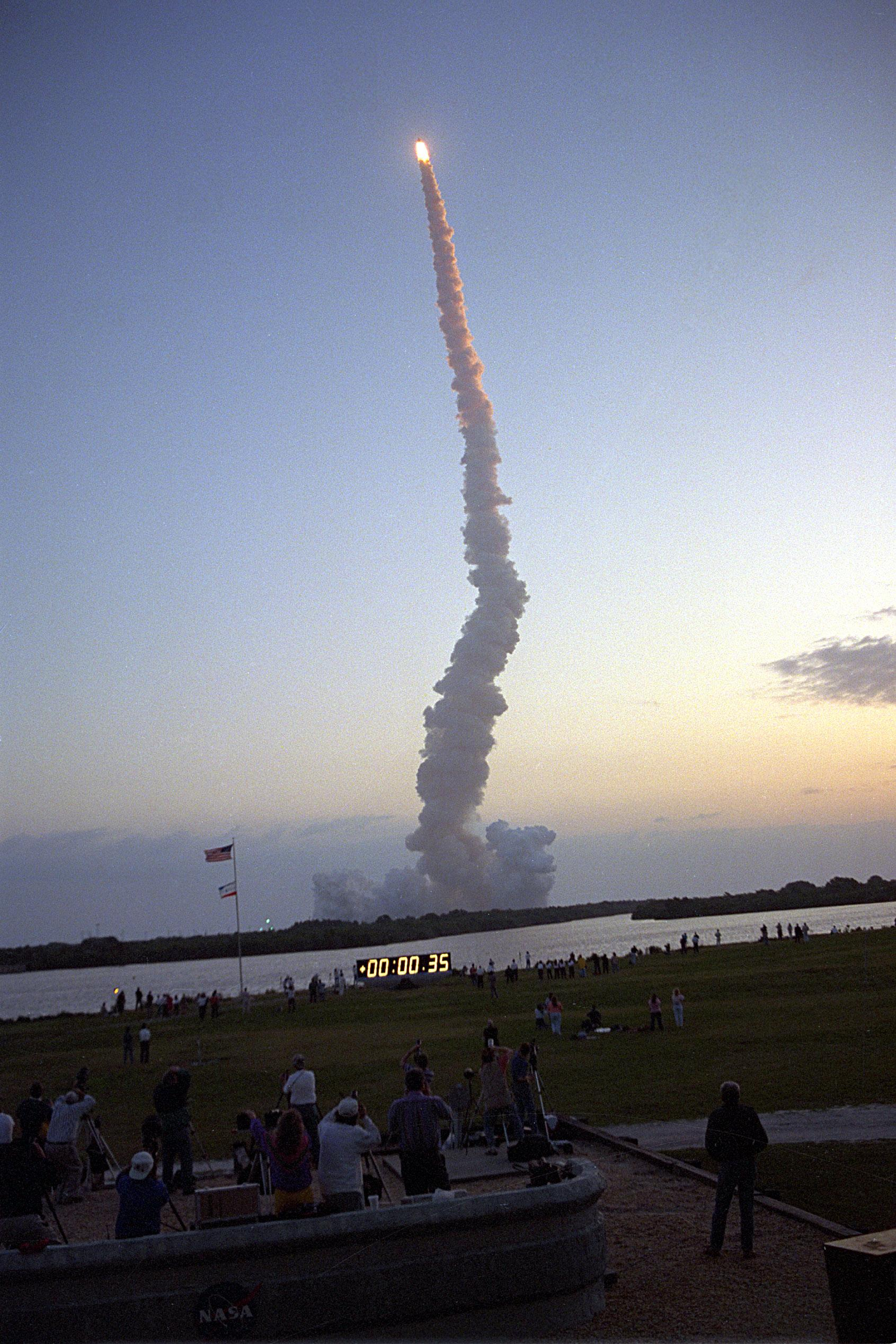 Description sts 59 launches from kennedy space center