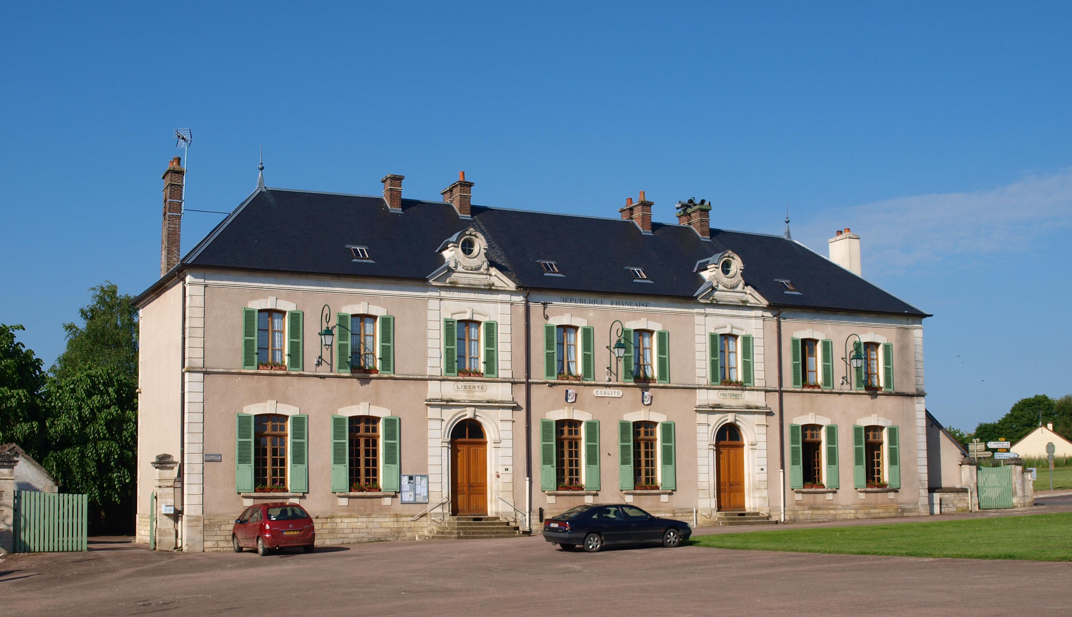 Http Www Mairie Com Entreprise De Peinture Revetement Decorateur Gray  V Html