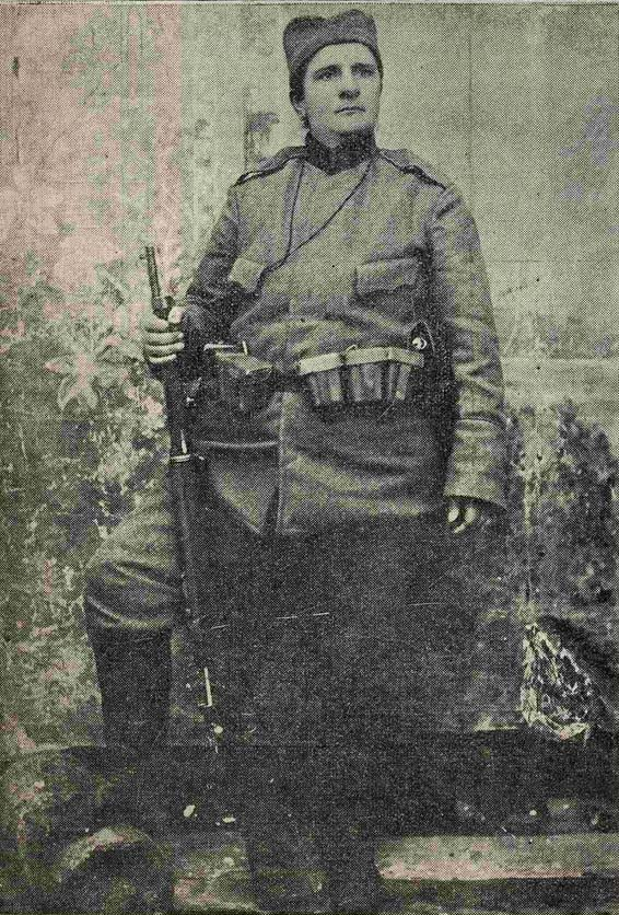 serbian soldier milica lazović, daughter of marko miljanov.jpg