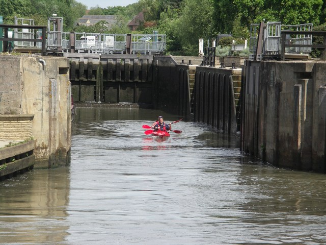 File:Small Canoe in a Large Lock - geograph.org.uk - 441281.jpg