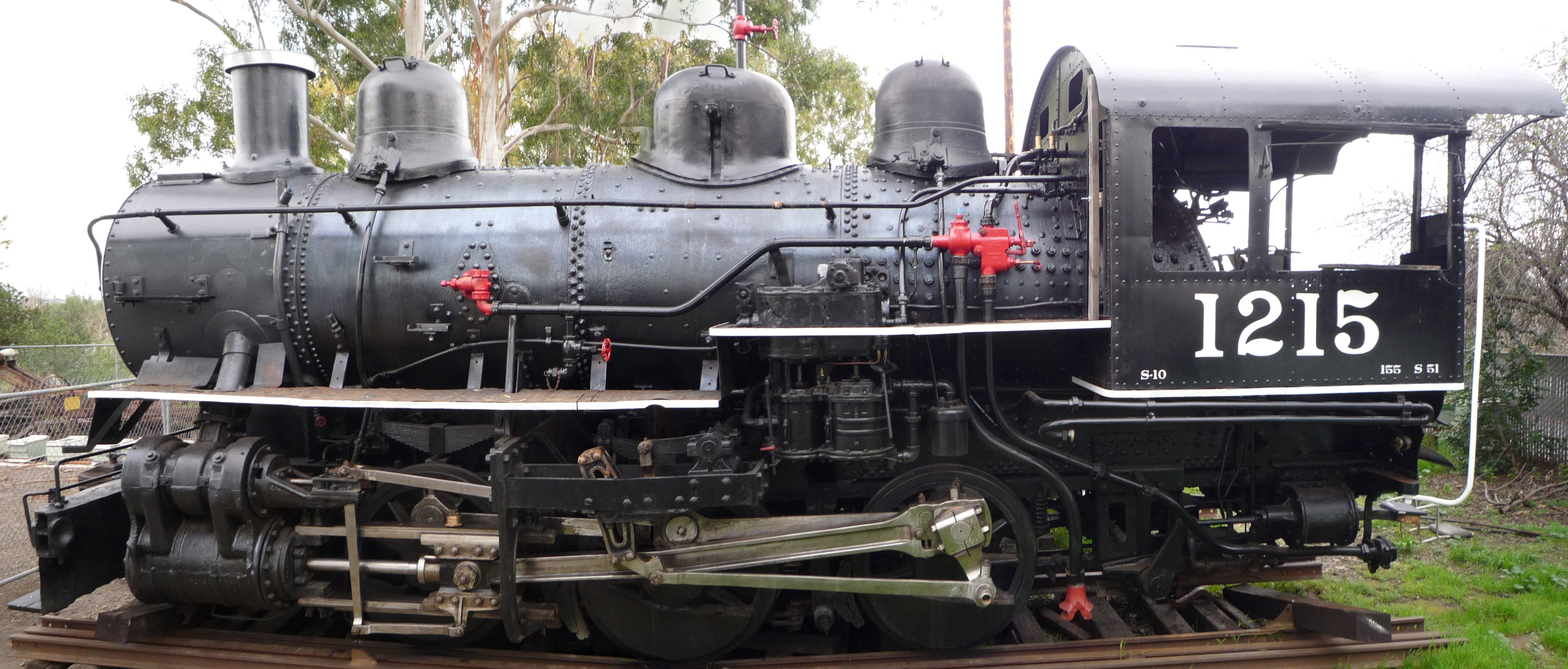 File:Southern Pacific Locomotive 1215.JPG