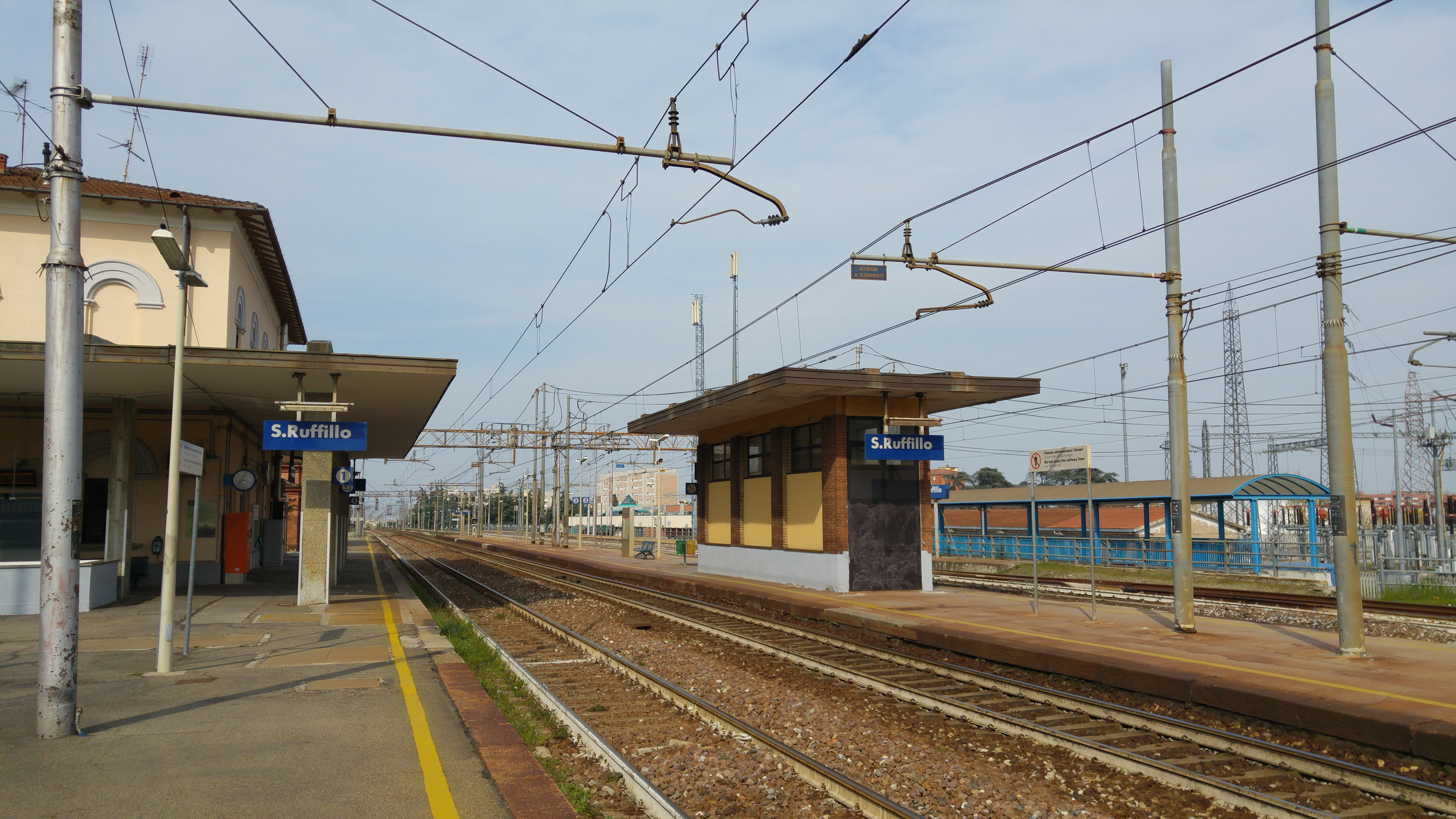 Bologna l allarme bomba in stazione cronaca ilrestodelcarlino