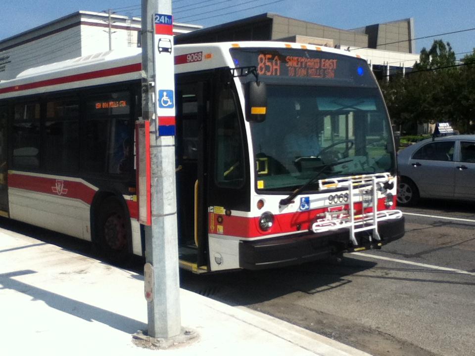 File ttc novabus lfs artic route 85 jpg wikimedia commons for 85 bus timetable