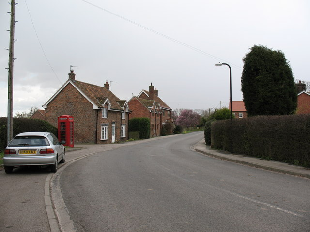 File:Thorganby village street.jpg