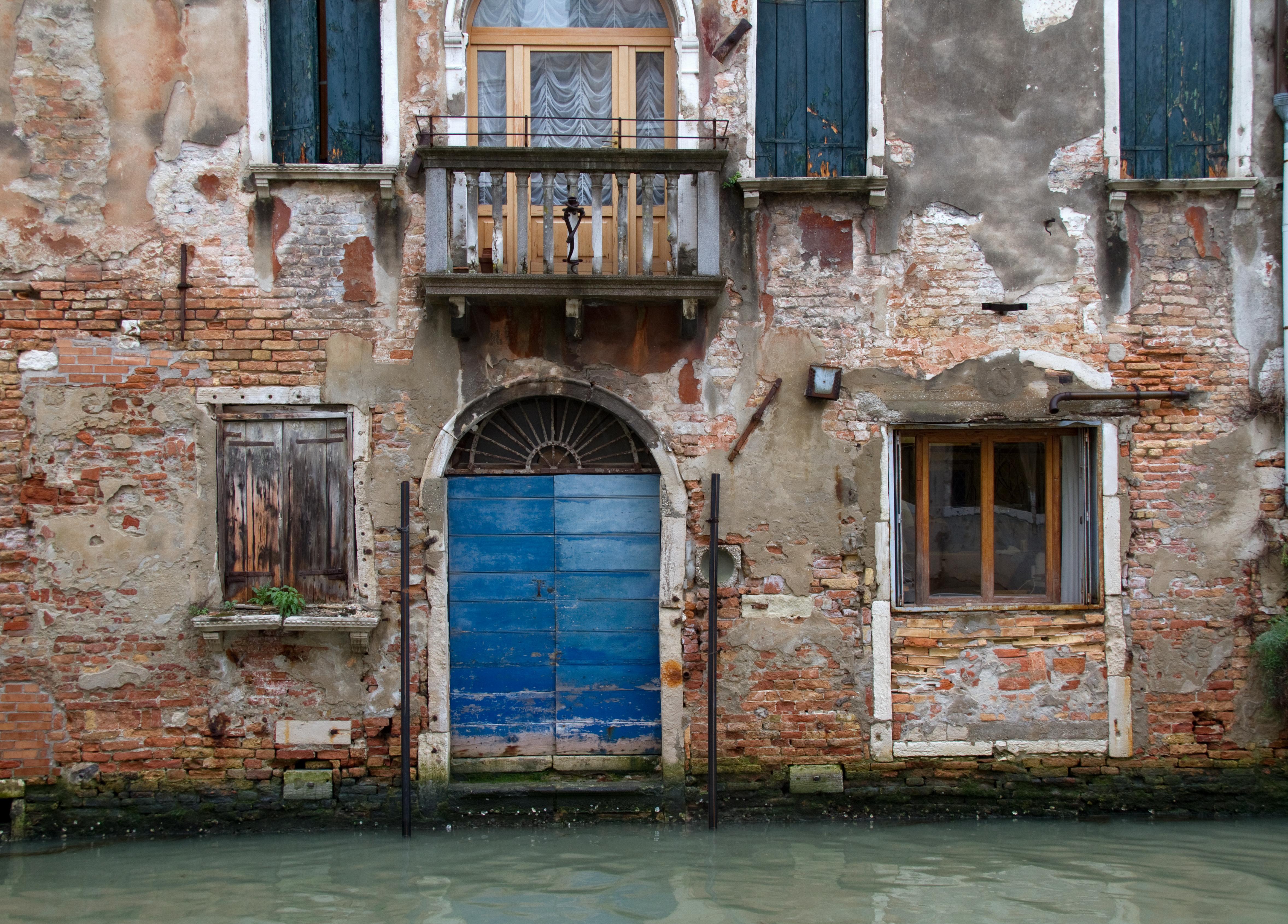 File:Venice Blue Door (7248139900).jpg - Wikimedia Commons