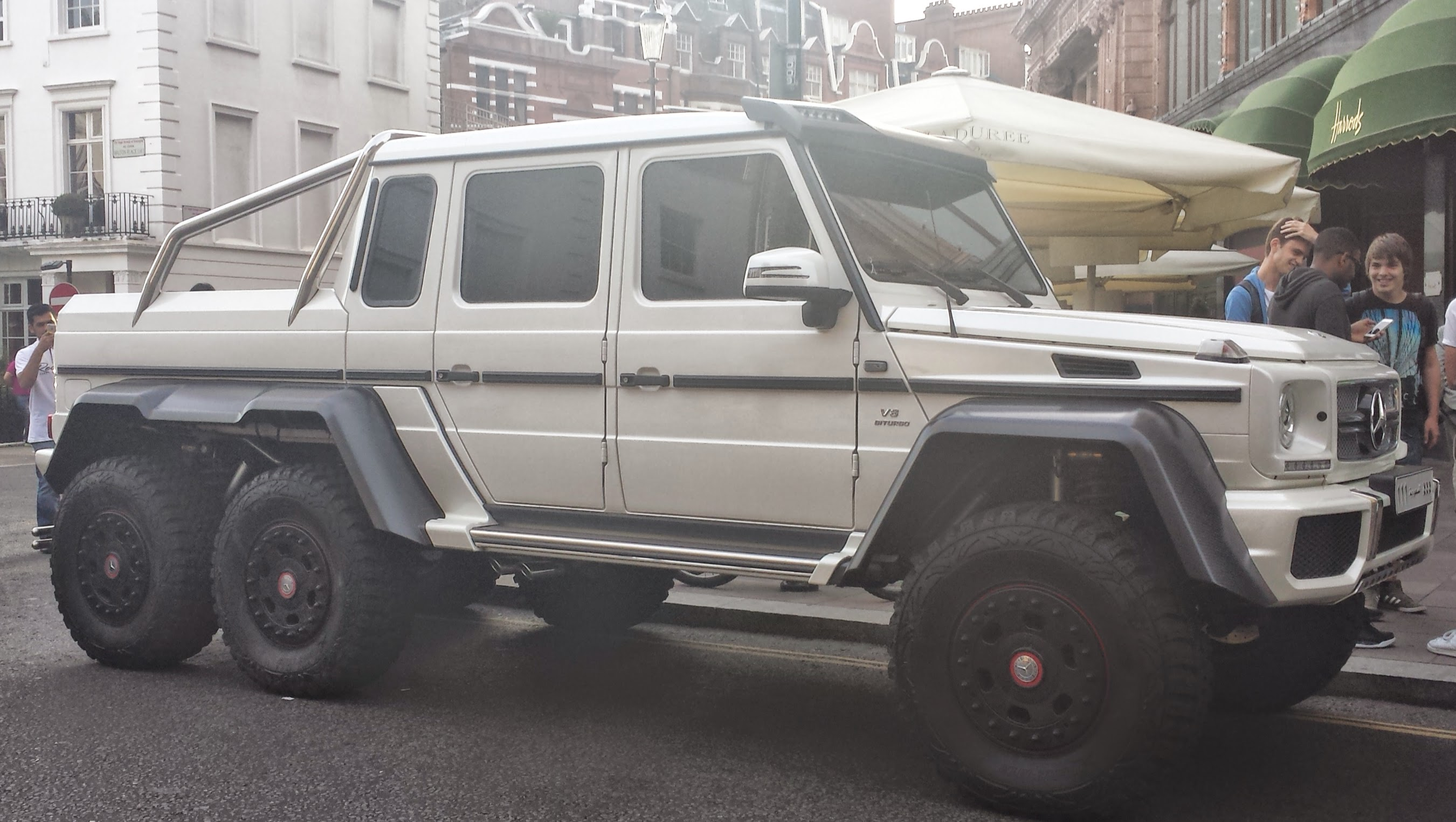 File White Mercedes Benz G 63 Amg 6x6 Fr London14 Jpg Wikimedia Commons