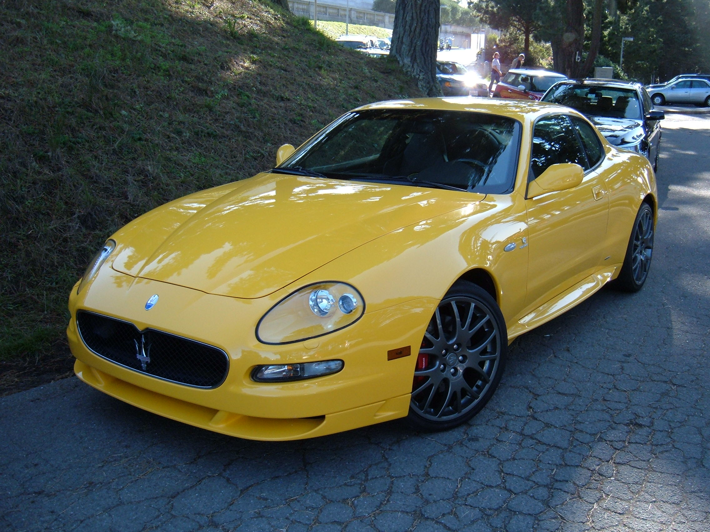 File:Yellow Maserati GranSport side.JPG - Wikimedia Commons