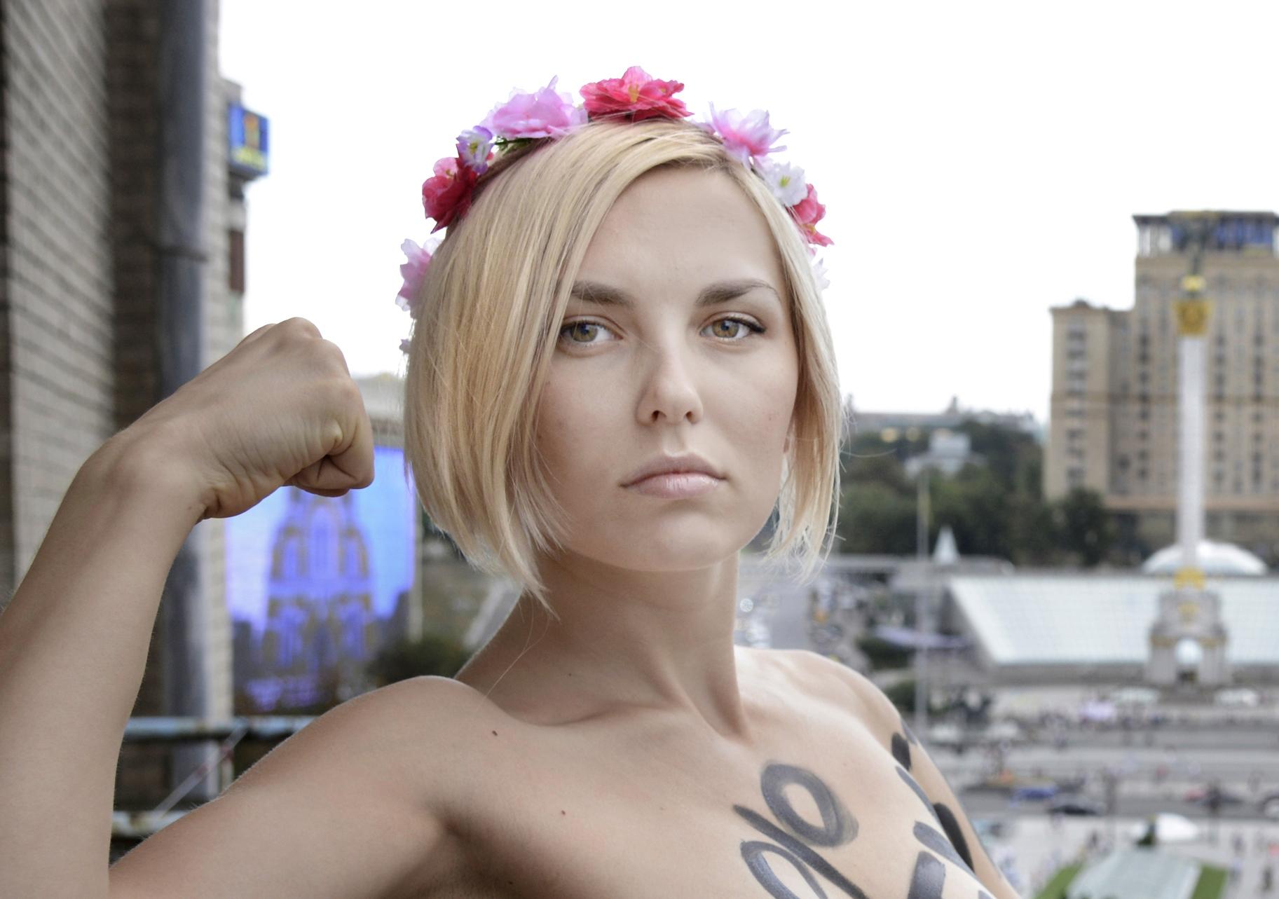preity zinta fully nude