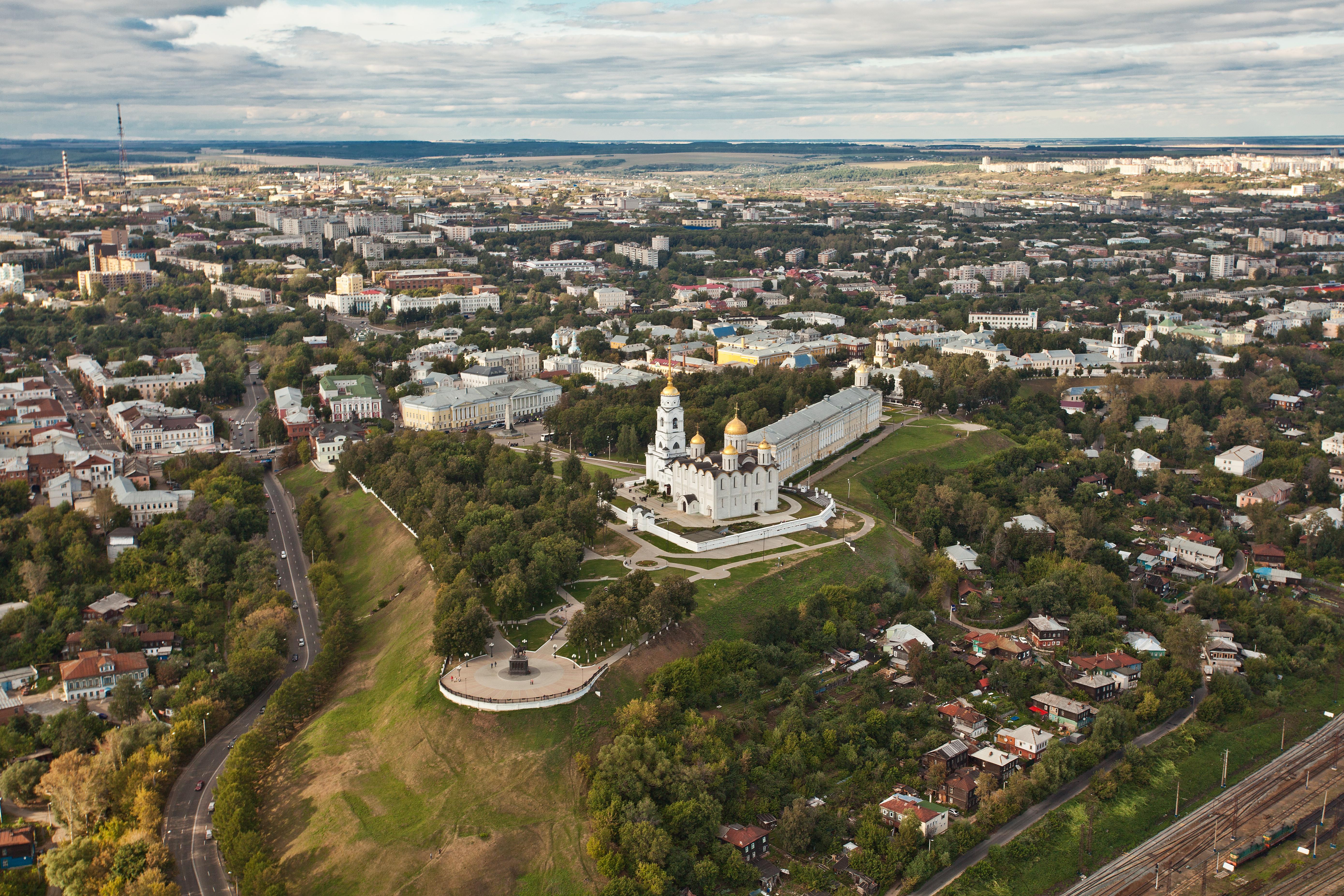 создал город владимир все про него фото узкой долине