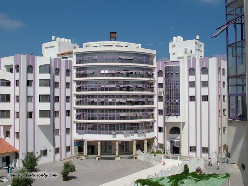 ملف:جامعة الازهر مبني الكليات الادبية