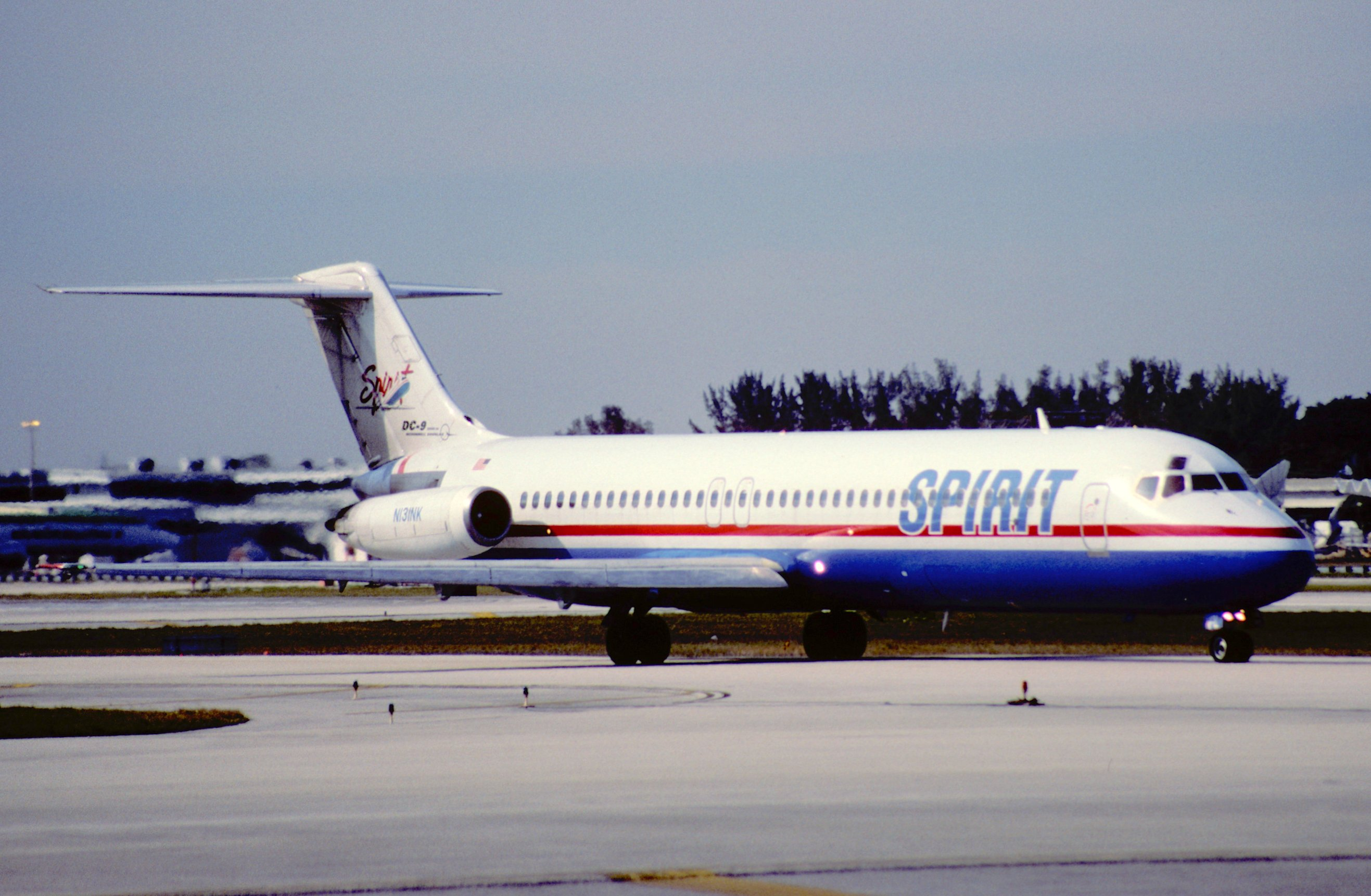 File 11gd spirit airlines dc 9 41 n131nk fll for Spirit airlines one way