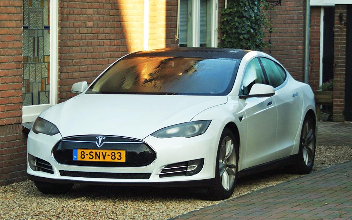 Tesla Cars  Row Seating