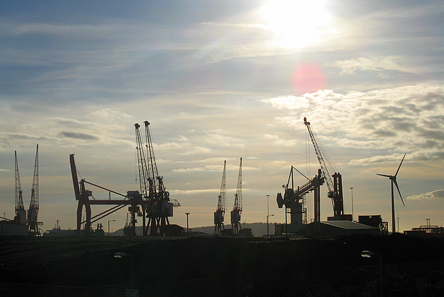 File:A new addition to the skyline at Avonmouth Docks - geograph.org.uk - 575542.jpg