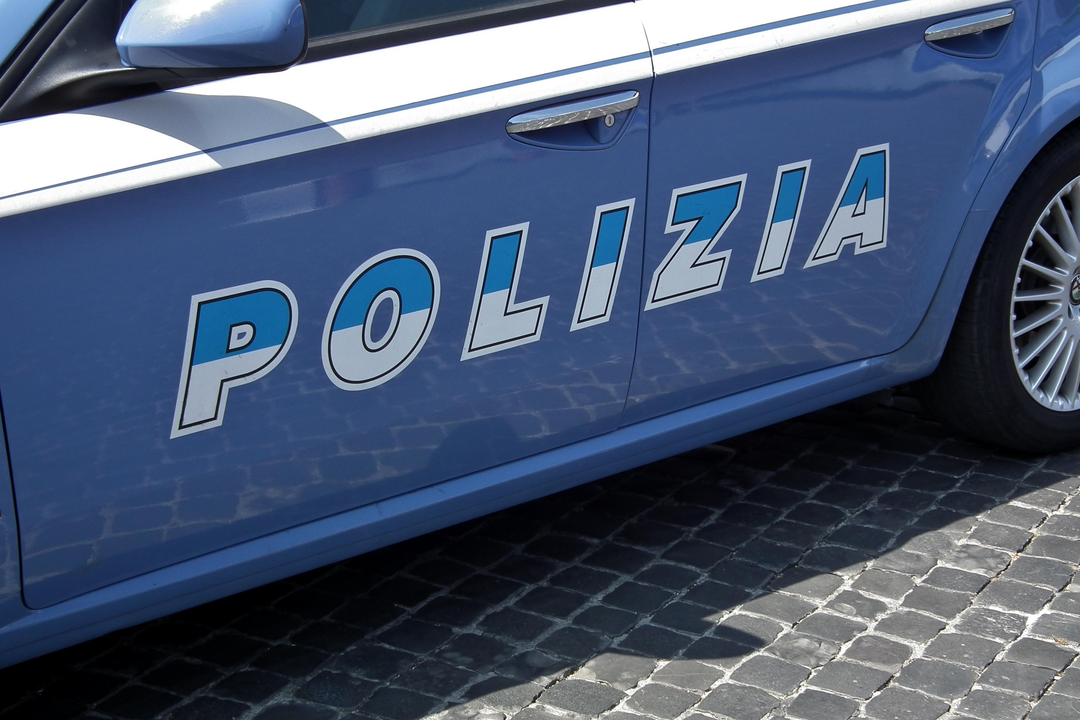 salerno_uccide_moglie_e_figlia_e_poi_si_impicca