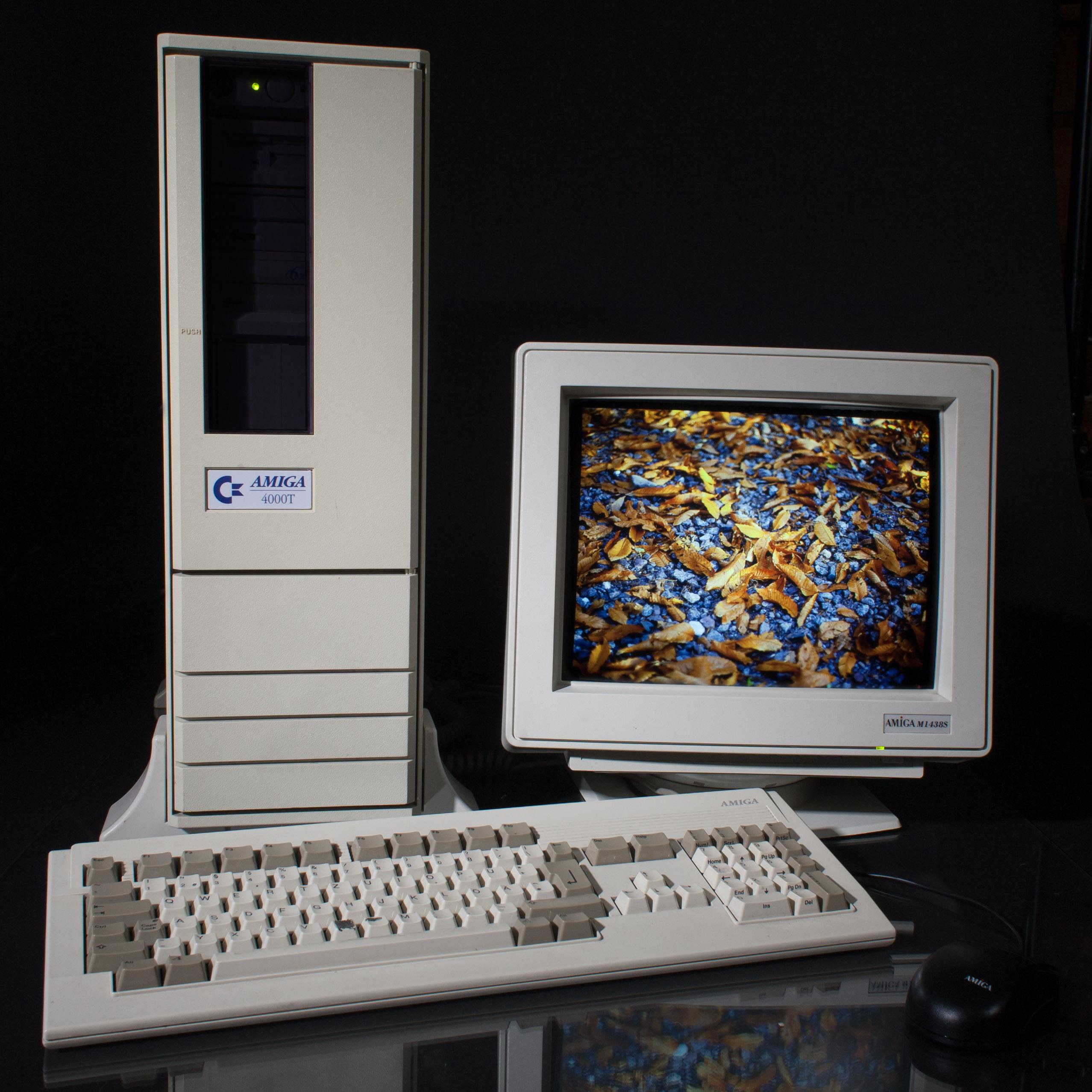 [Image: Amiga_4000T.jpg]