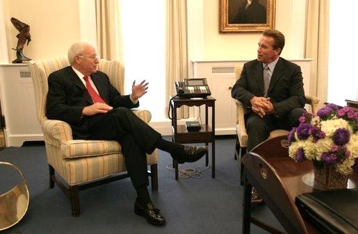 File:Arnold-Cheney.jpg