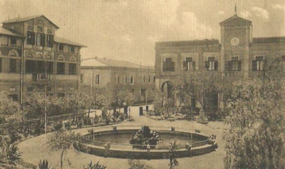Asmara_-_Piazza_Roma_(1920).jpg