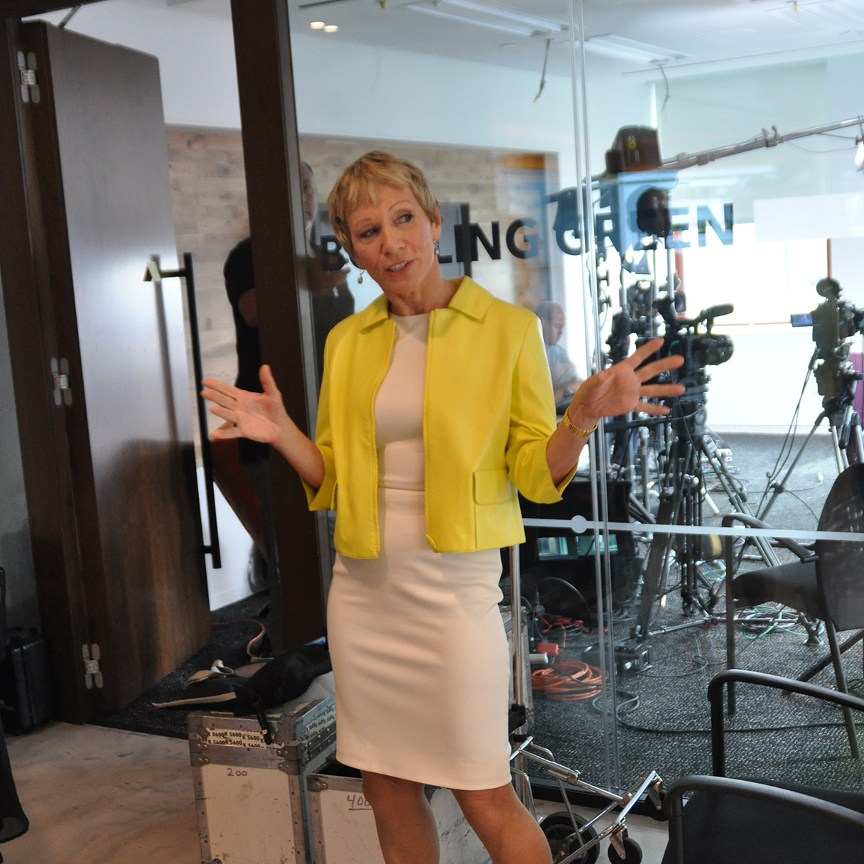 The 69-year old daughter of father (?) and mother(?) Barbara Corcoran in 2018 photo. Barbara Corcoran earned a  million dollar salary - leaving the net worth at 80 million in 2018