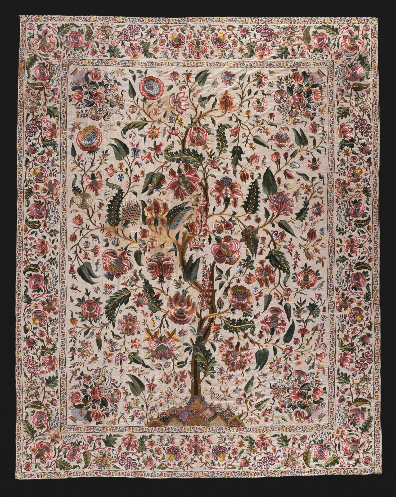 http://upload.wikimedia.org/wikipedia/commons/c/c3/Bed_or_Wall_Hanging_with_Design_of_Flowering_Tree_(Palampore)_LACMA_M.74.3.jpg